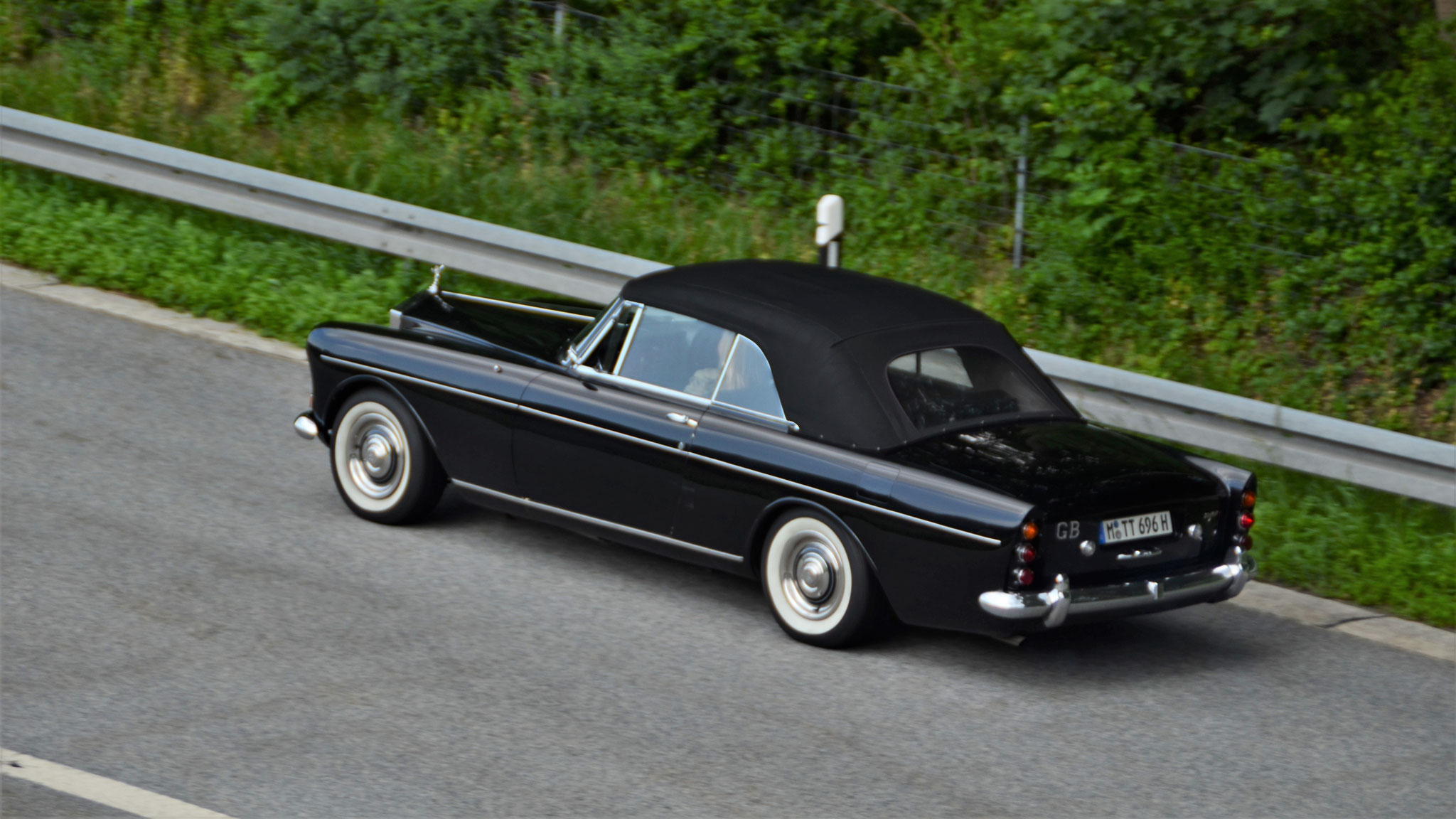 Rolls Royce Corniche - M-TT-696H
