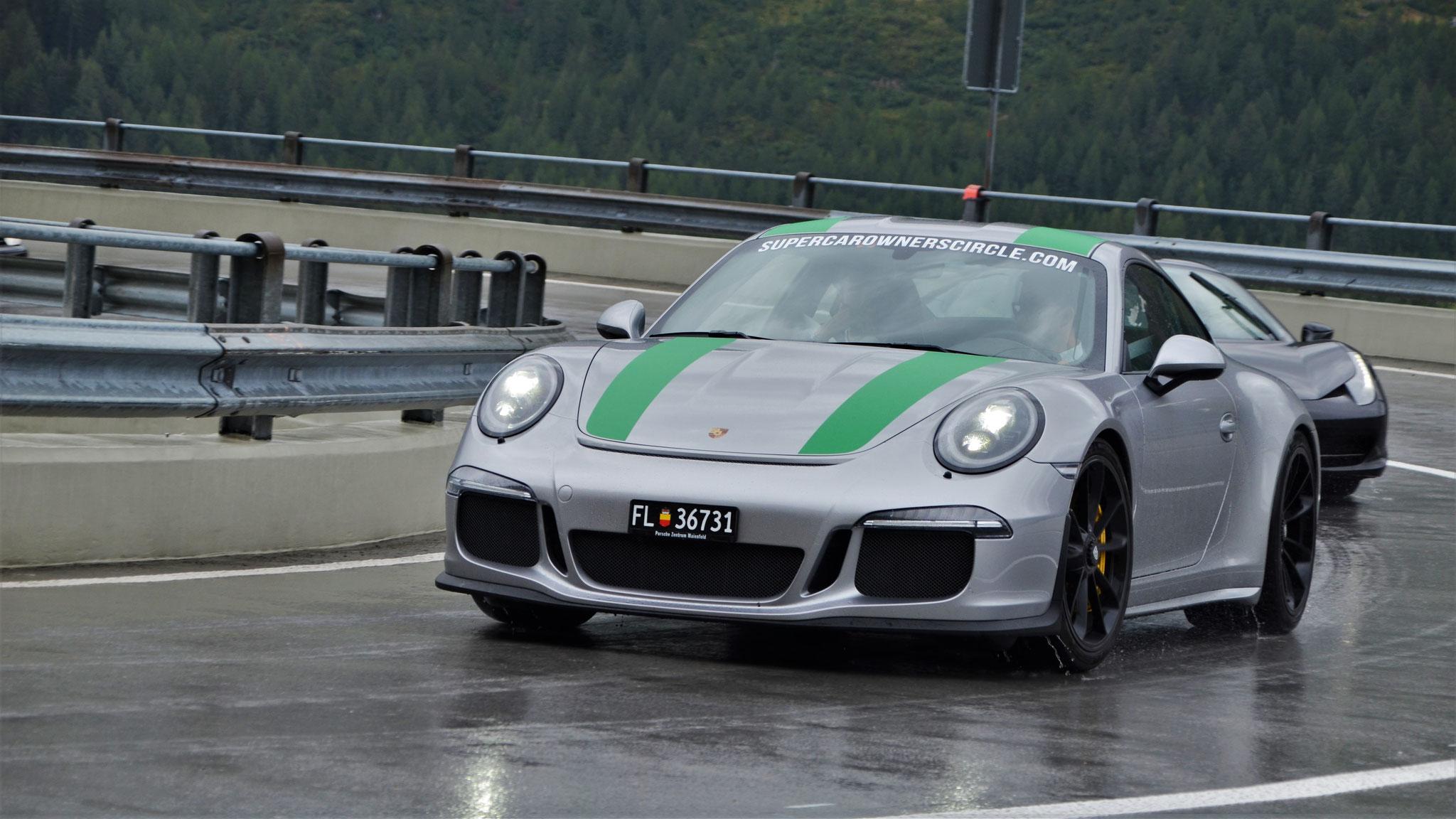 Porsche 911 R - FL-36731 (LIC)