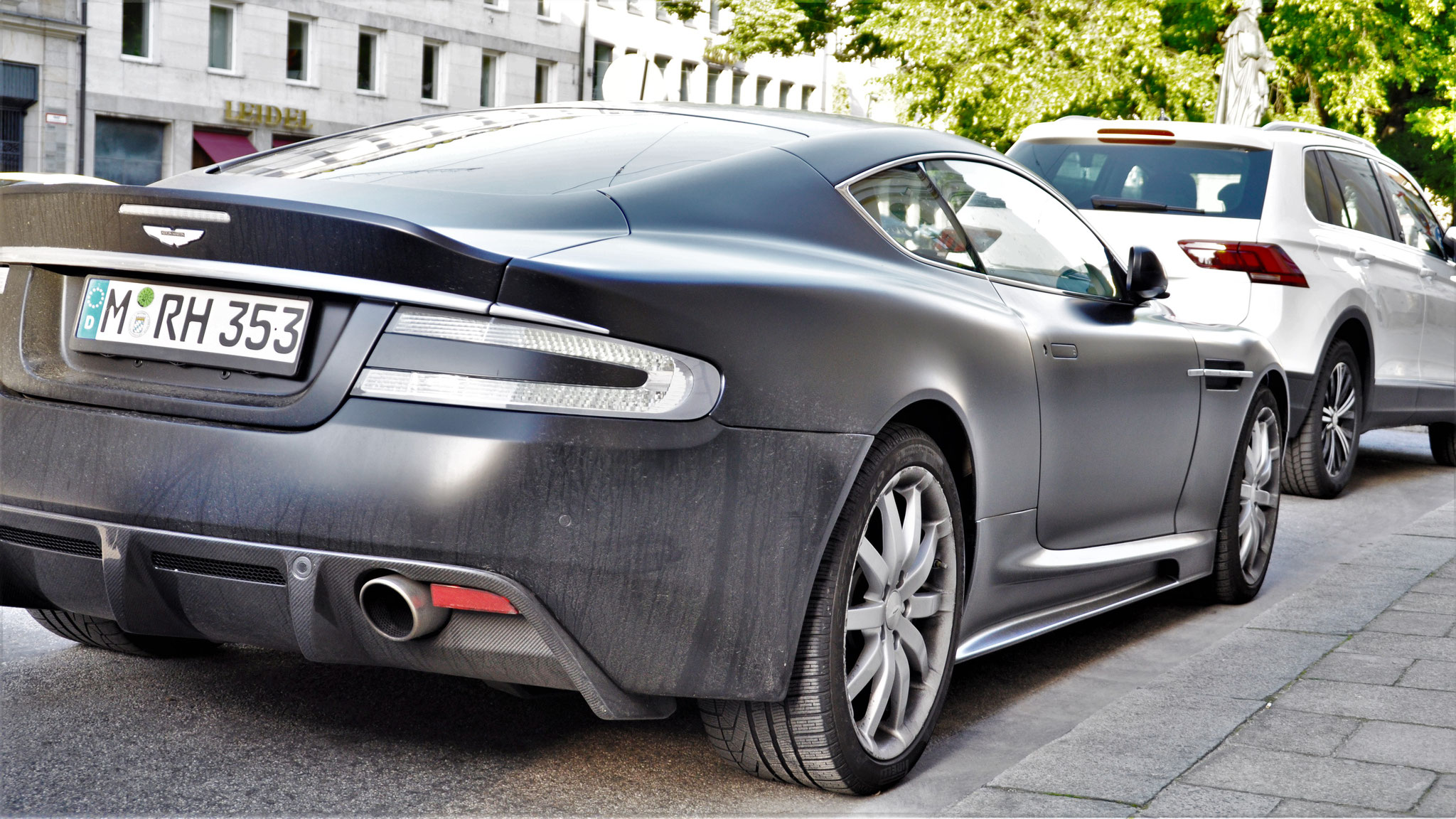 Aston Martin DBS - M-RH-353