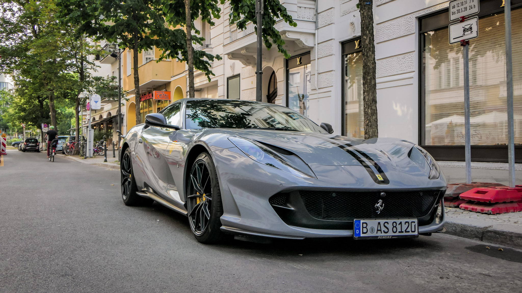 Ferrari 812 Superfast - B-AS-8120