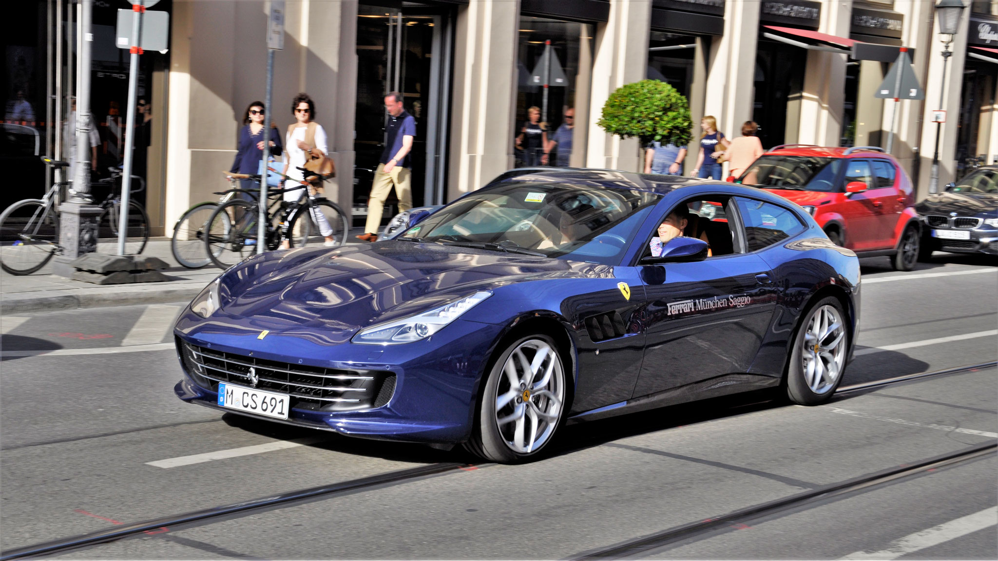 Ferrari GTC4 Lusso - M-CS-691