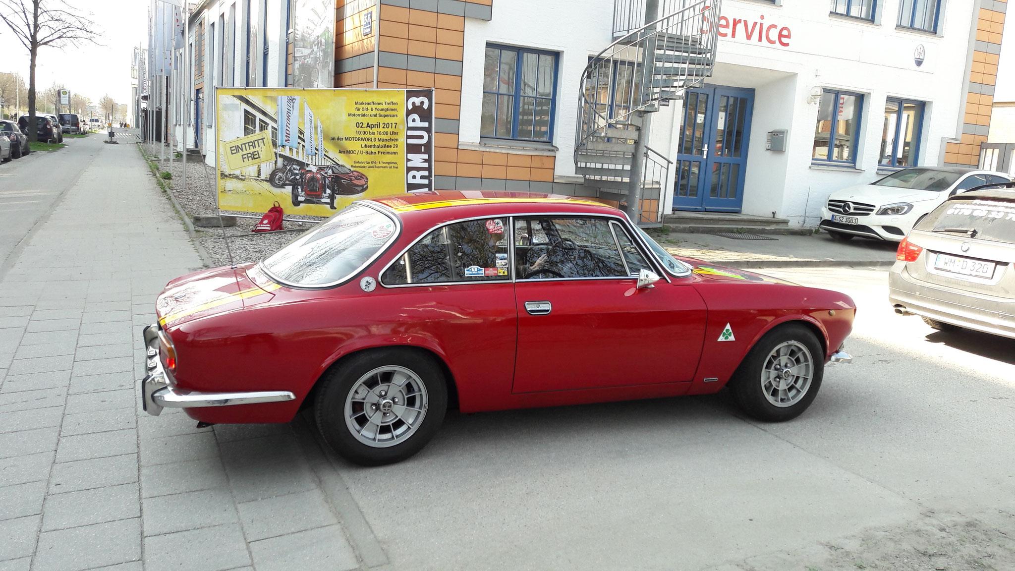 Alfa Romeo 2000 GT Veloce - M-FW-35H