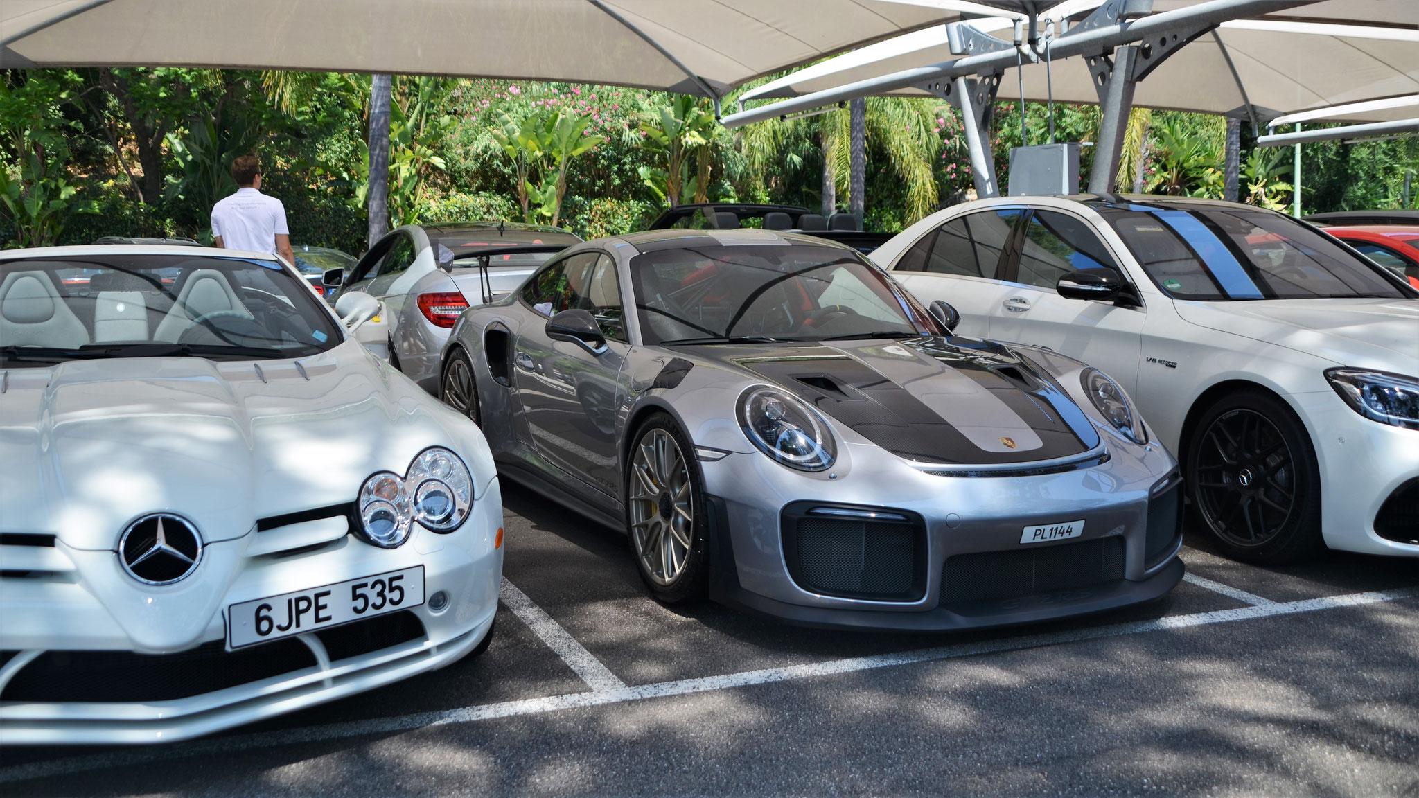 Porsche 911 GT2 RS - PL1144 (?)