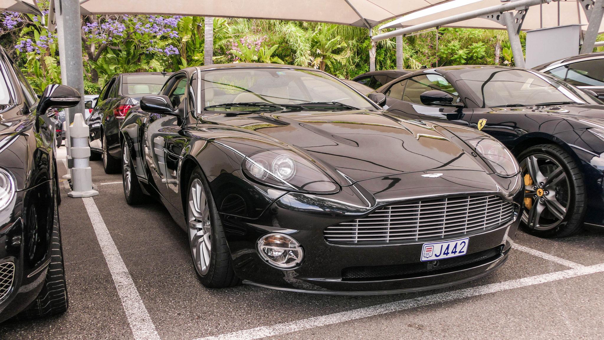 Aston Martin V12 Vanquish - J442 (MC)