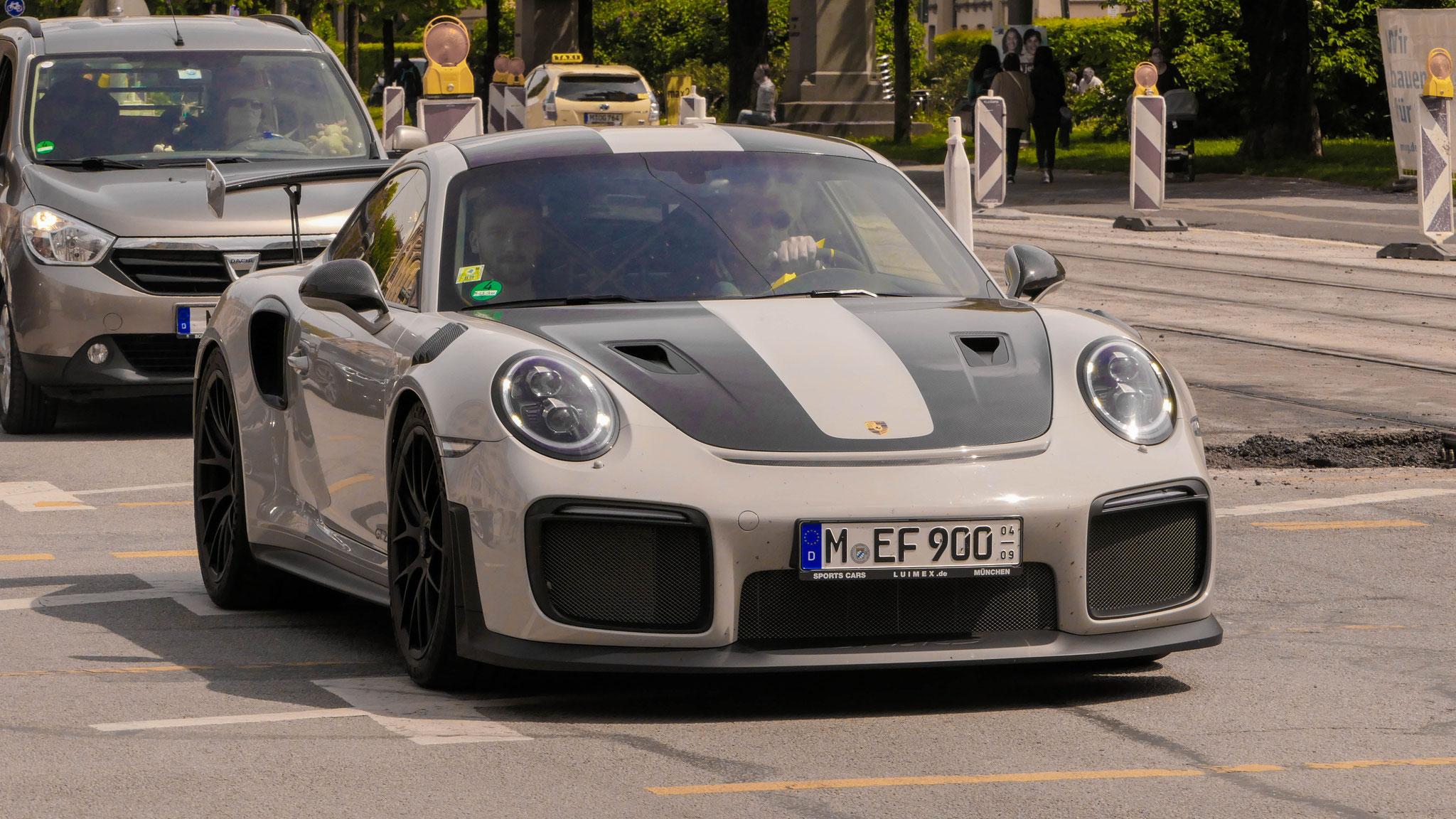 Porsche 911 GT2 RS - M-EF-900