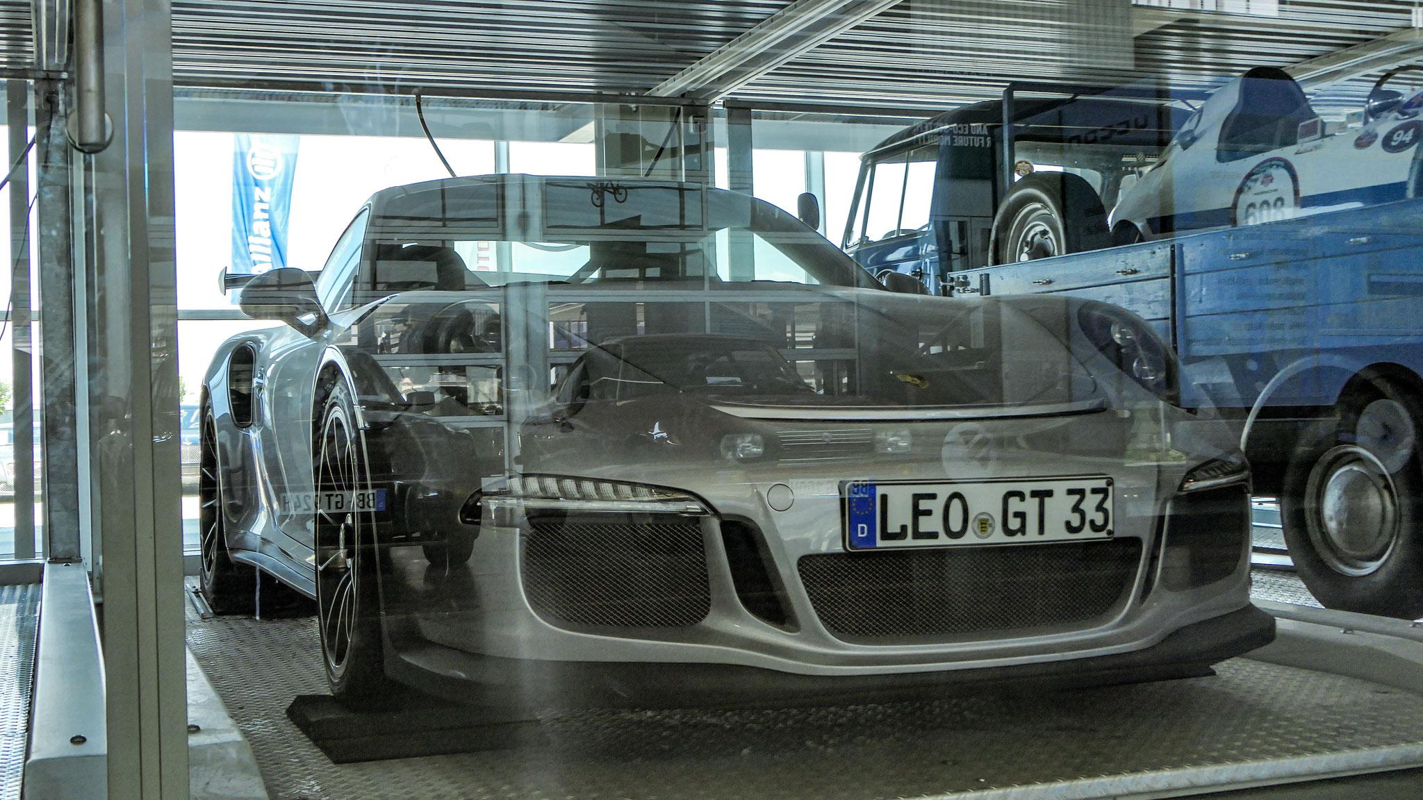 Porsche 911 GT3 RS - LEO-GT-33