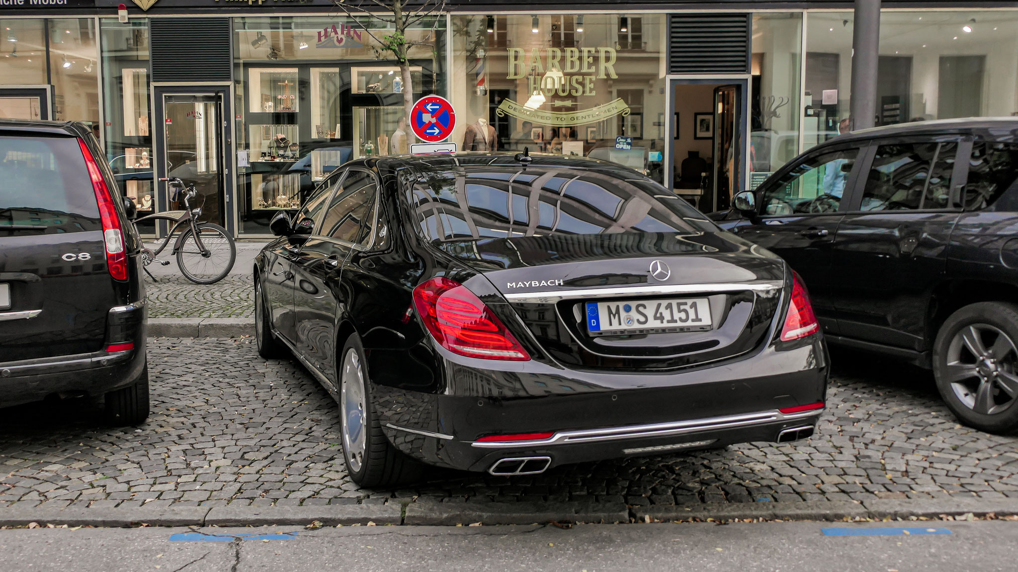 Mercedes Maybach S560 - M-S-4151