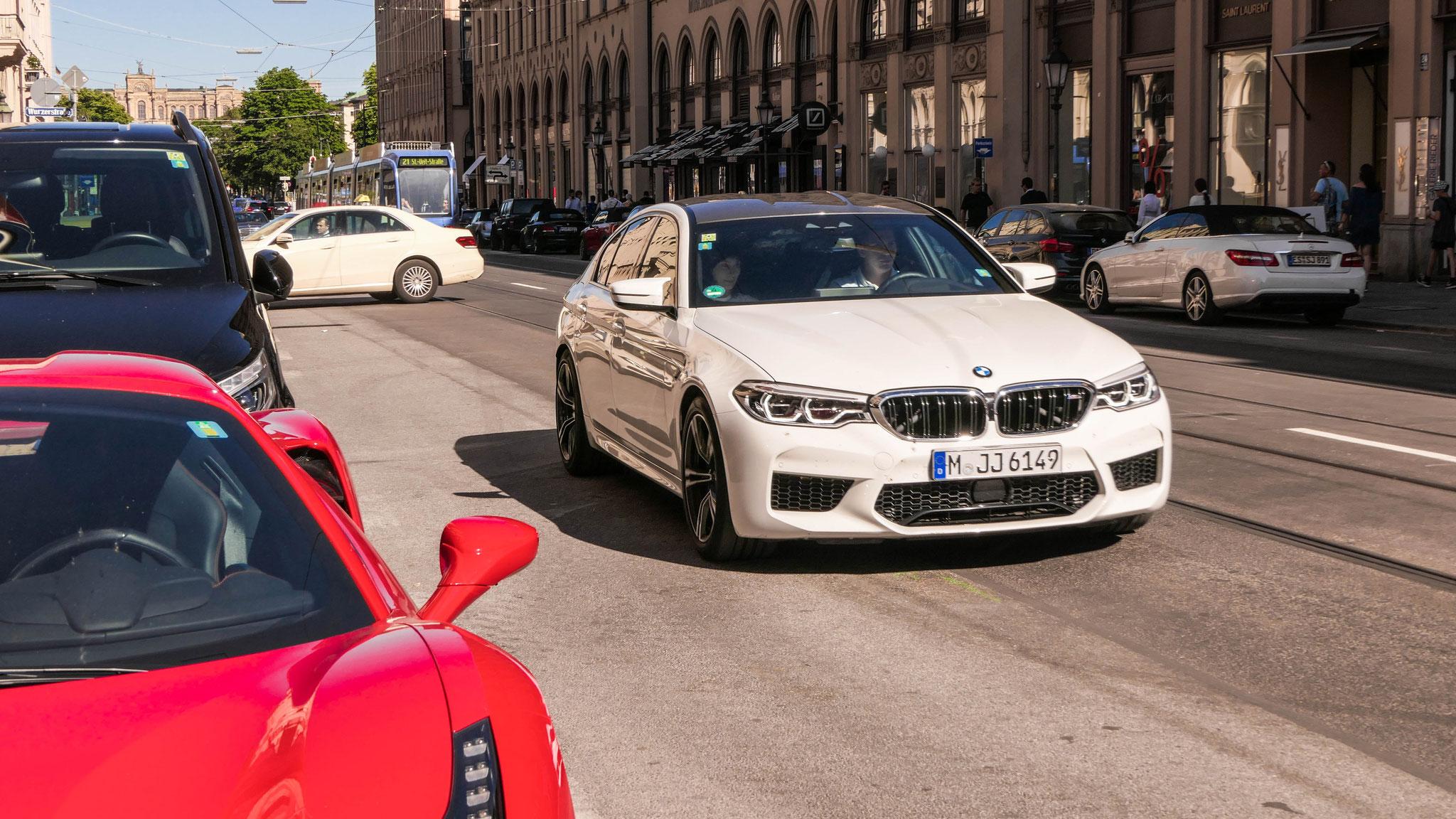 BMW M5 - M-JJ-6149