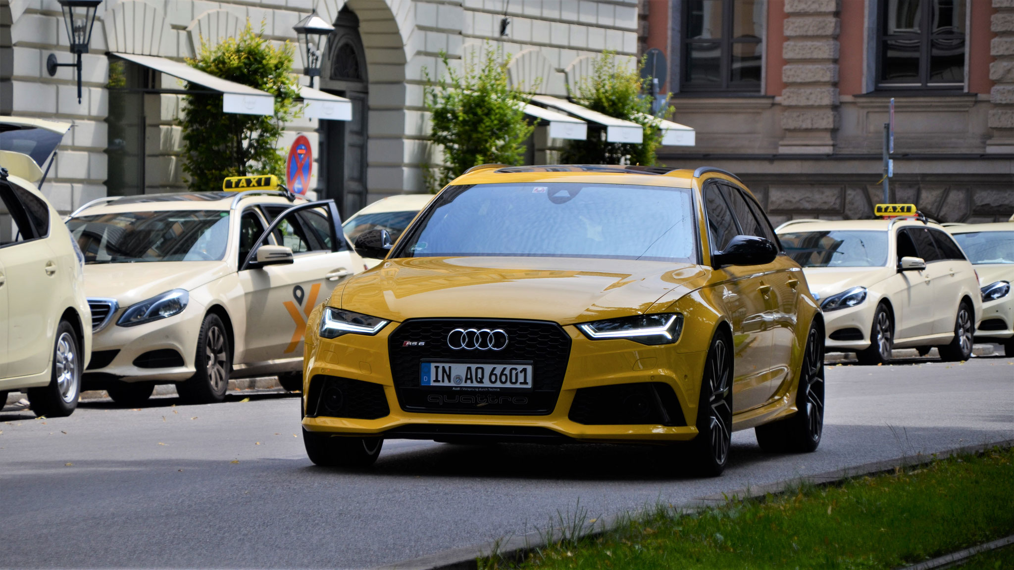 Audi RS6 - IN-AQ-6601