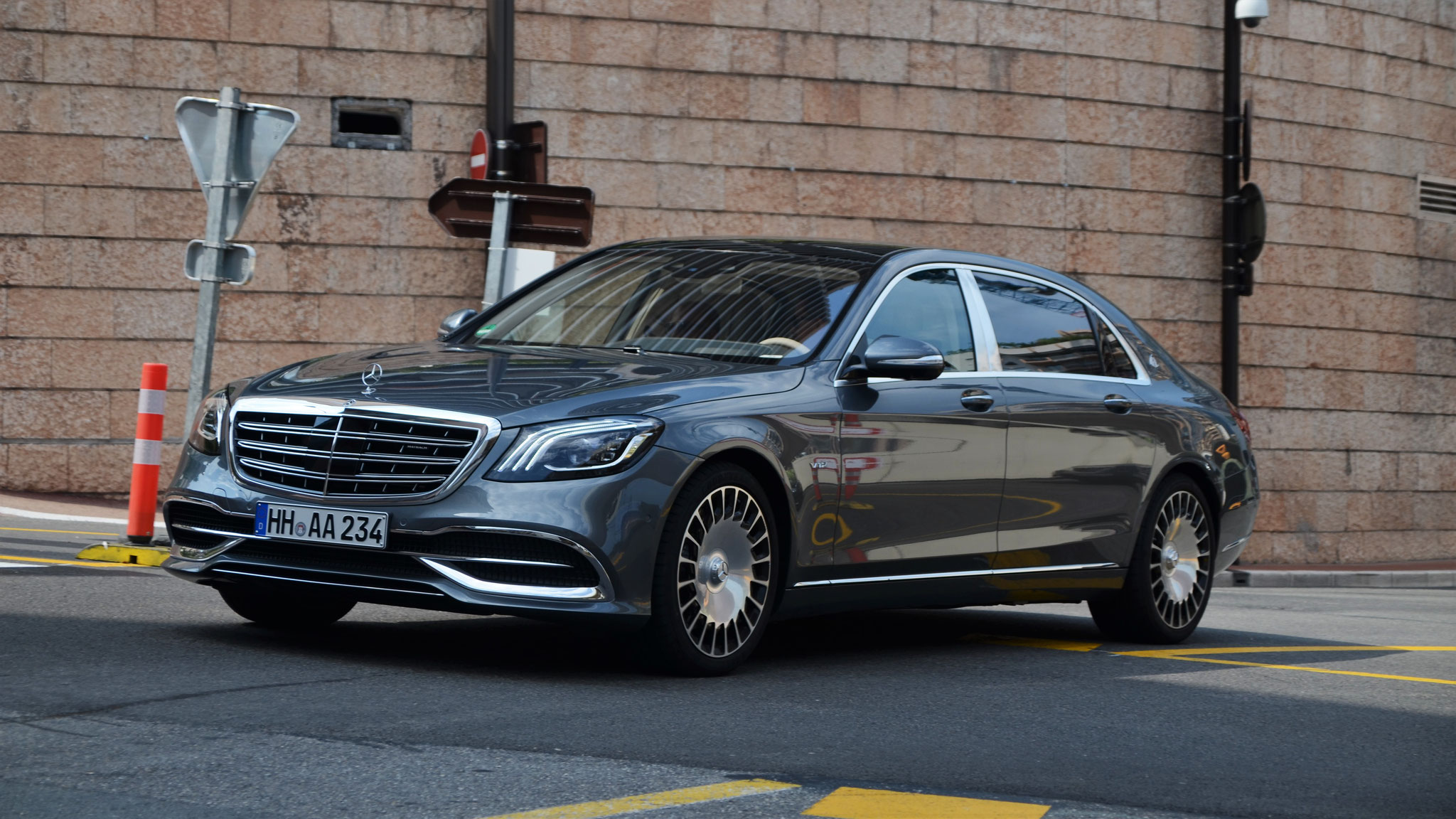 Mercedes Maybach S600 - HH-AA-234