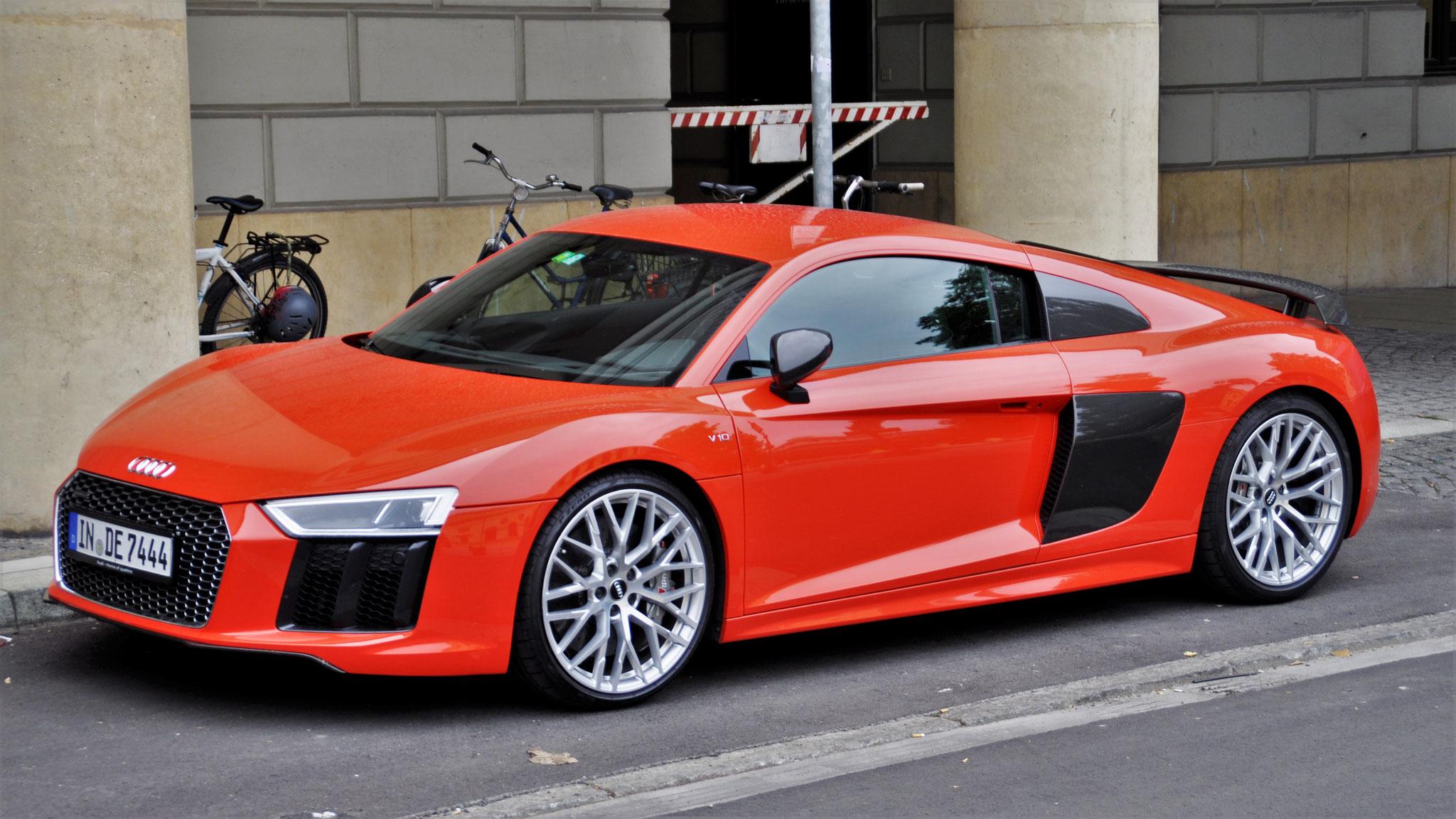 Audi R8 V10 - IN-DE-7444