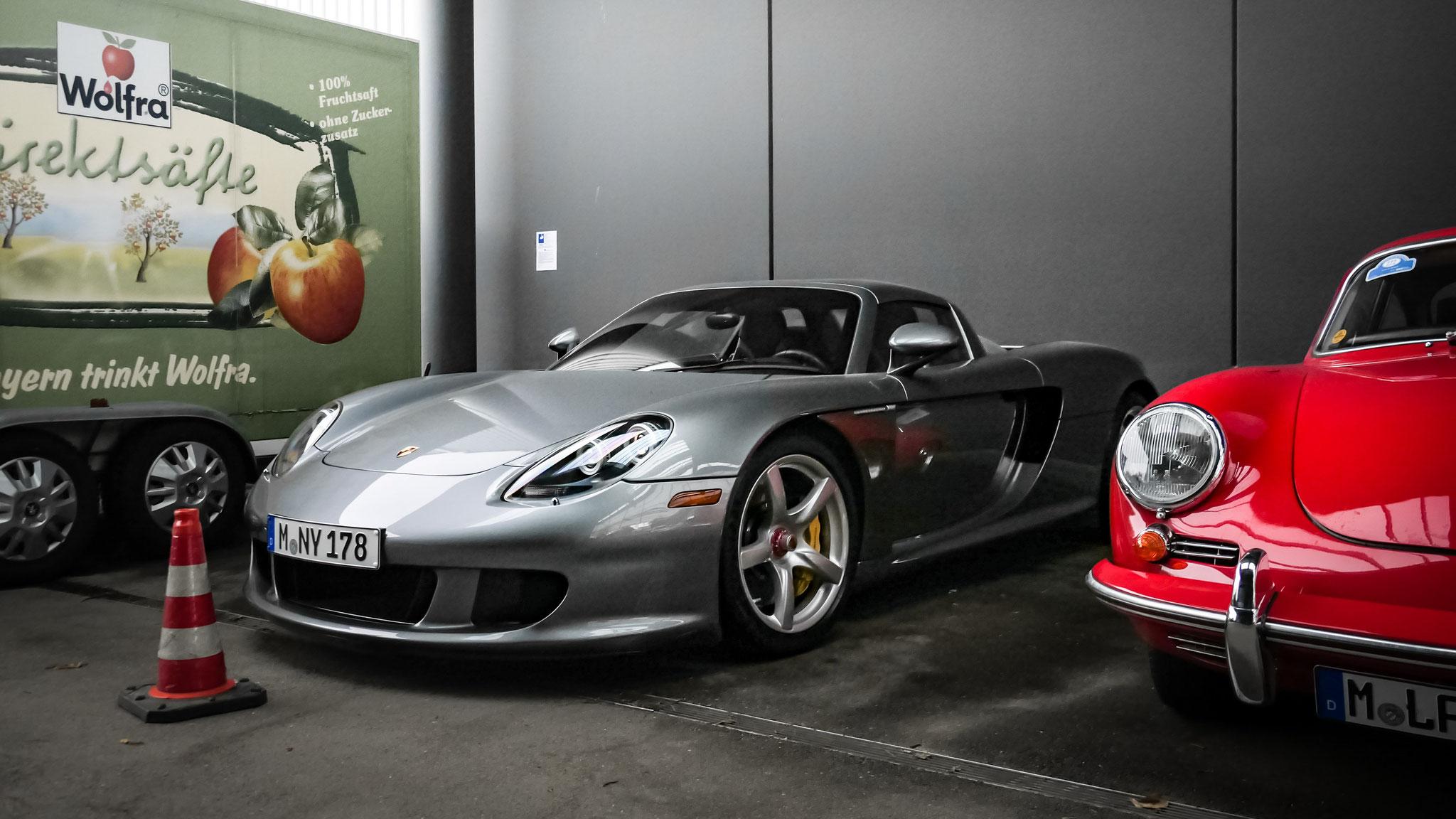 Porsche Carrera GT - M-NY-178