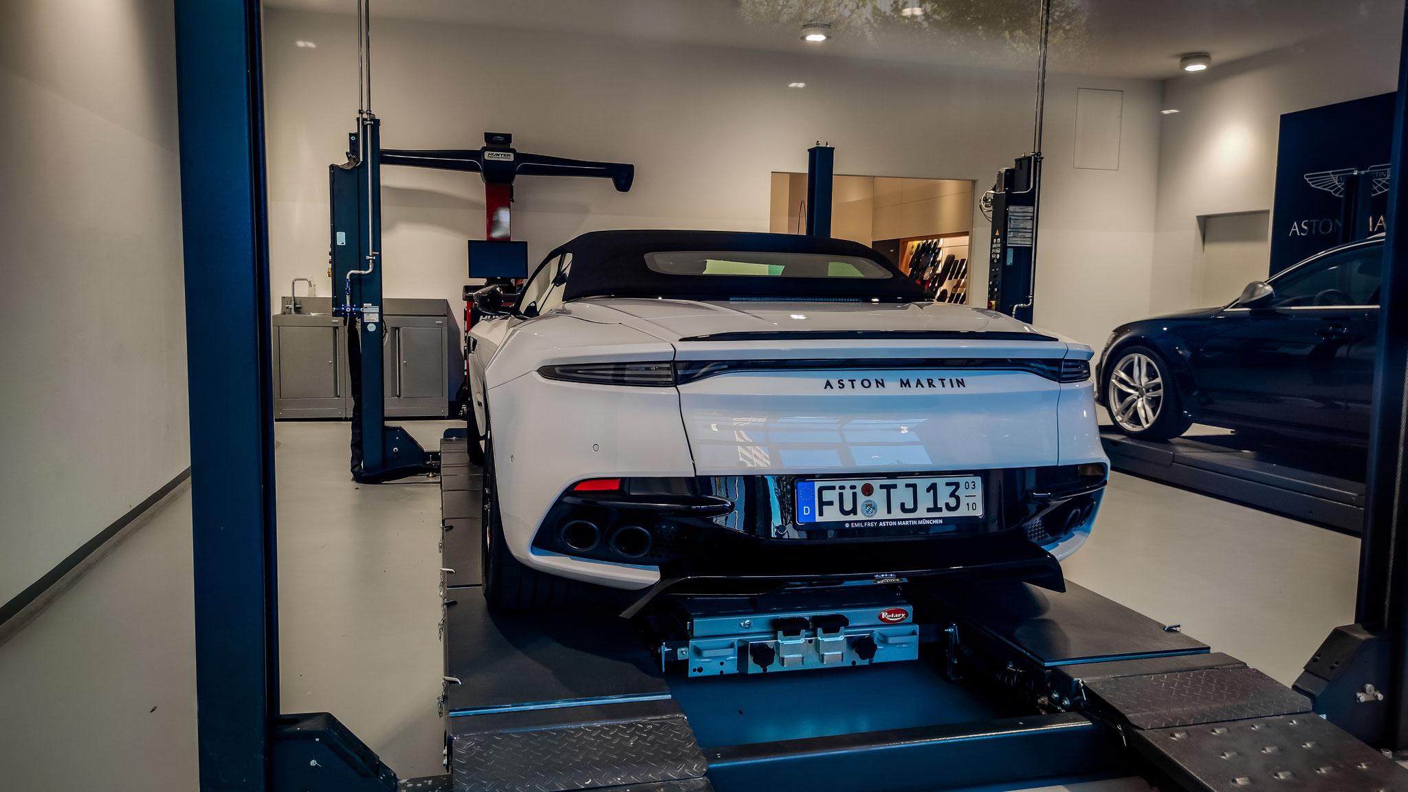 Aston Martin DBS Superleggera Volante - FÜ-TJ-13