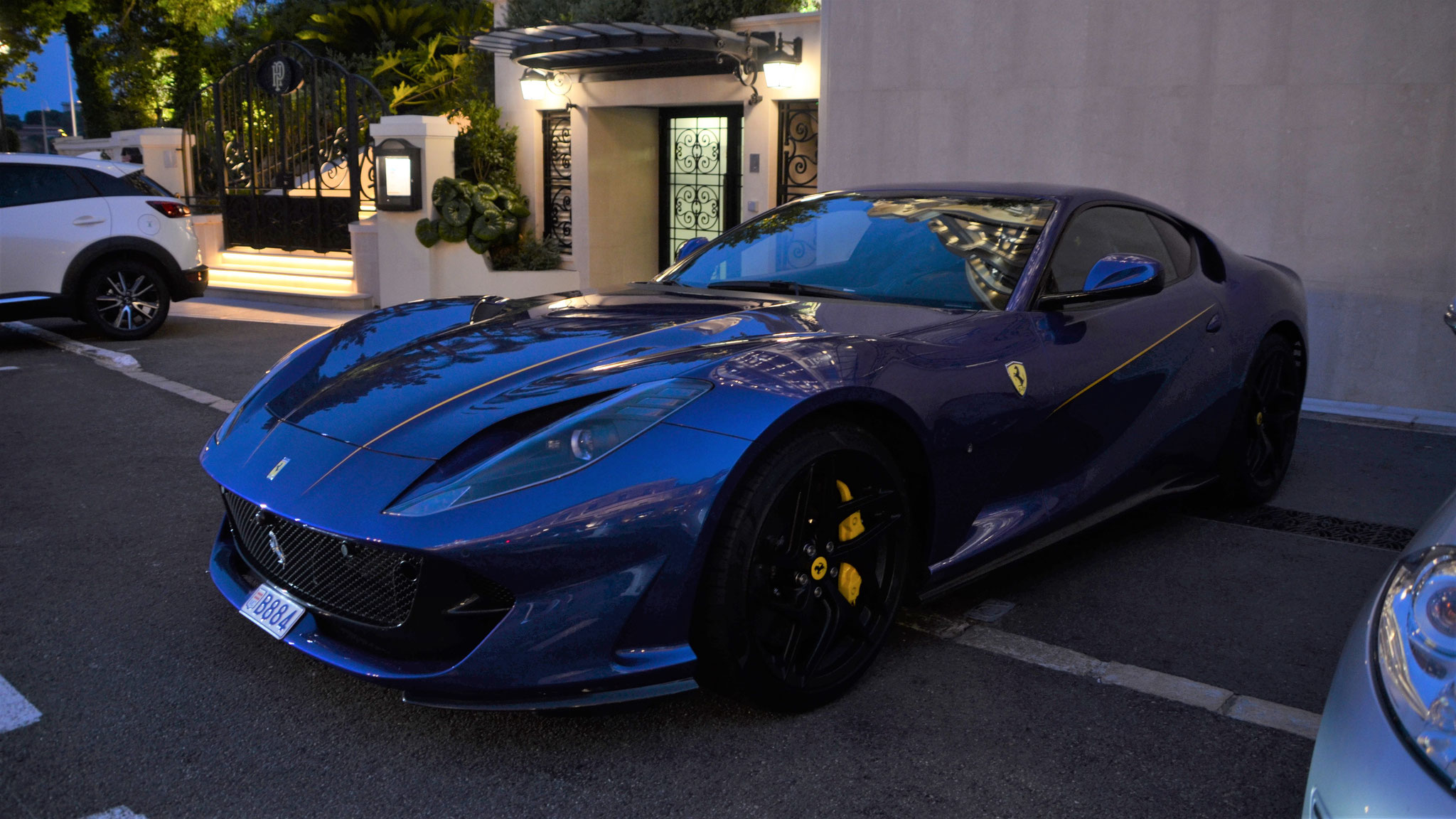 Ferrari 812 Superfast - B884 (MC)