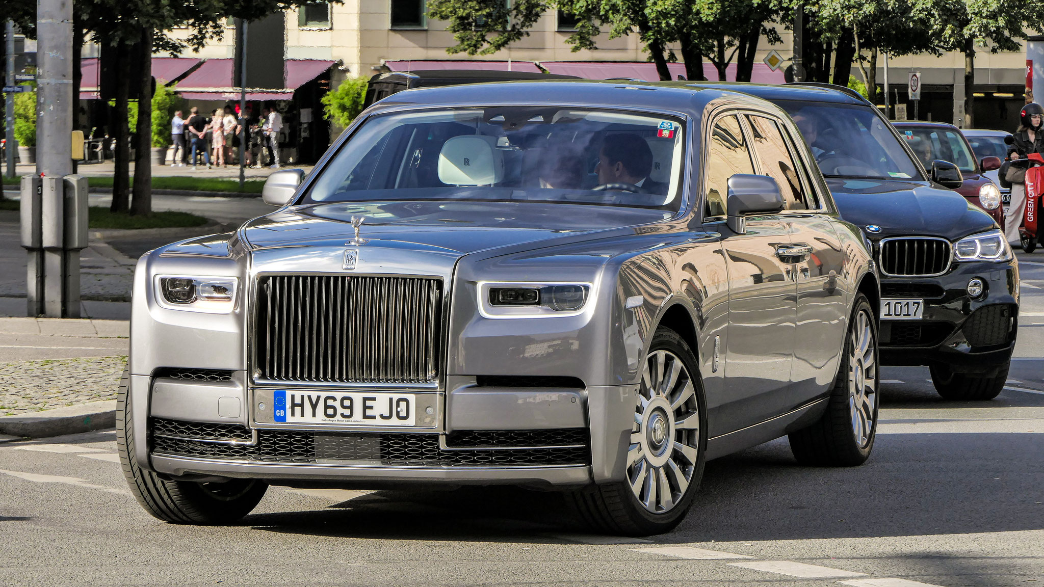 Rolls Royce Phantom - HY69-EJO (GB)