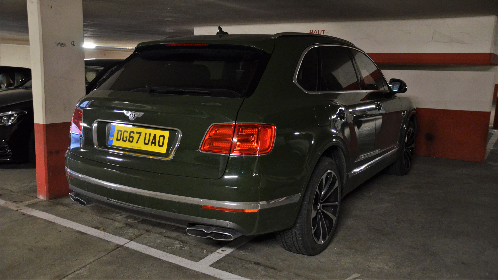Bentley Bentayga - DG67-UAO (GB)