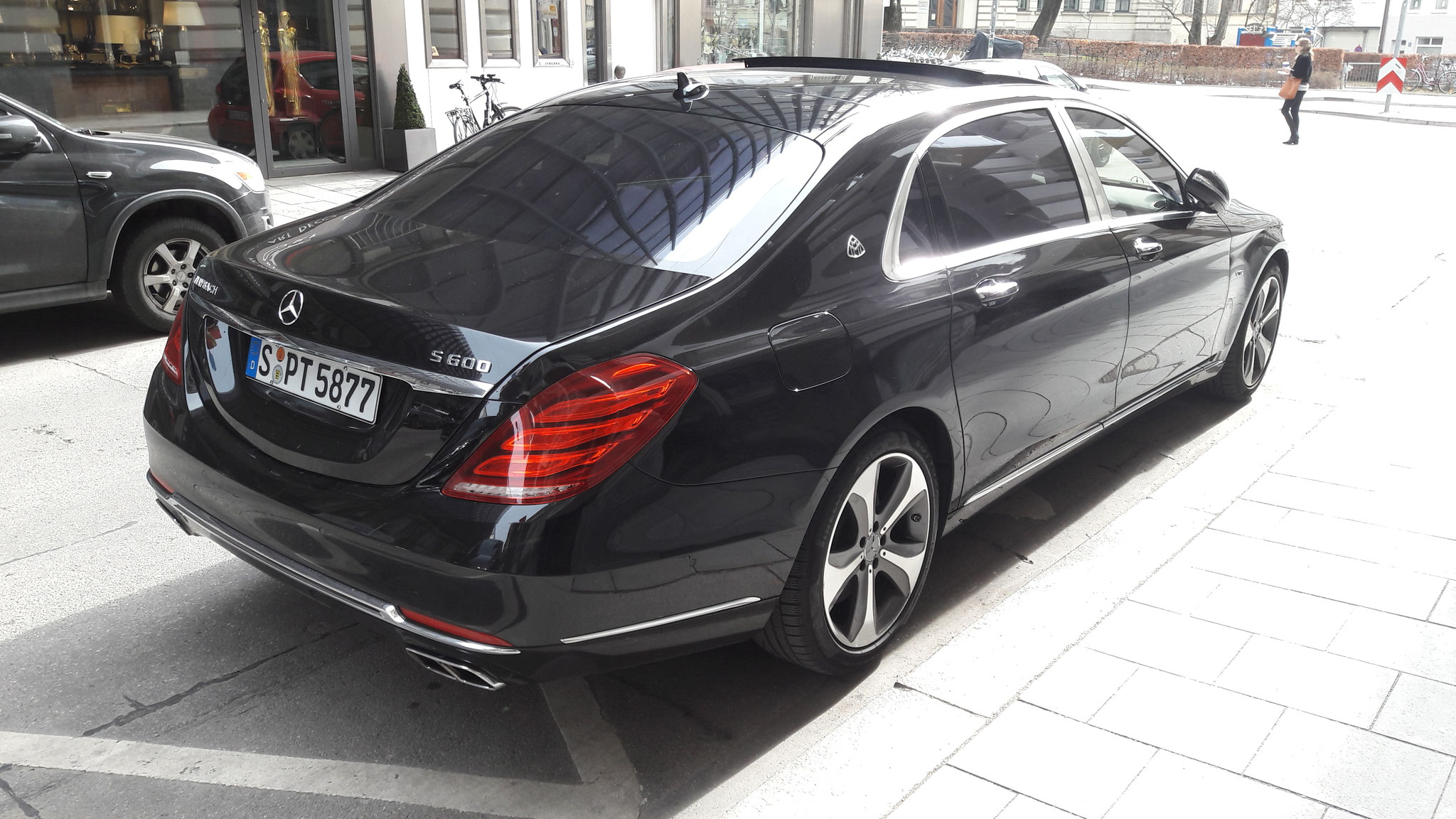 Mercedes Maybach S600 - S-PT-5877