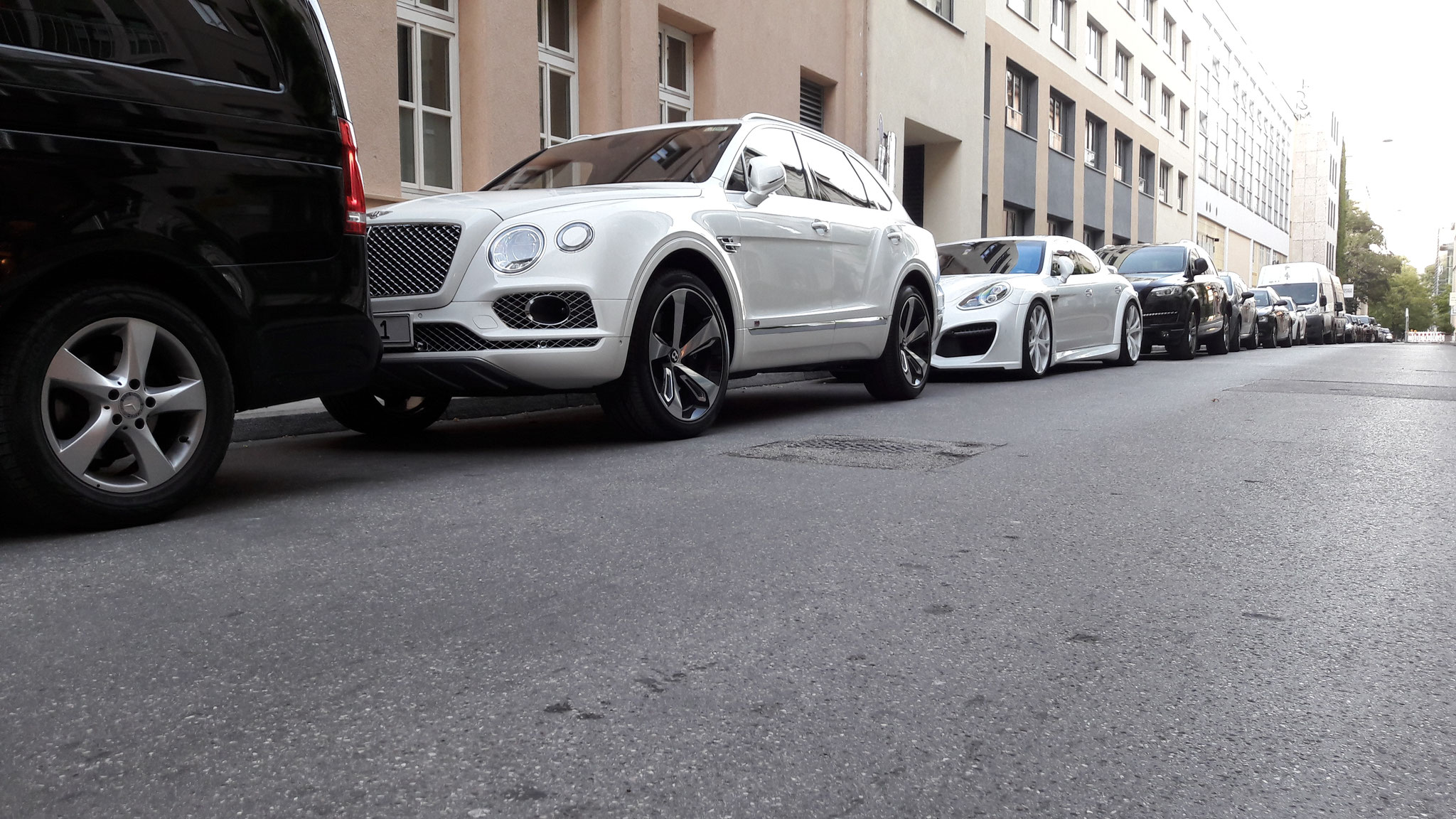 Bentley Bentayga - M-LI-1