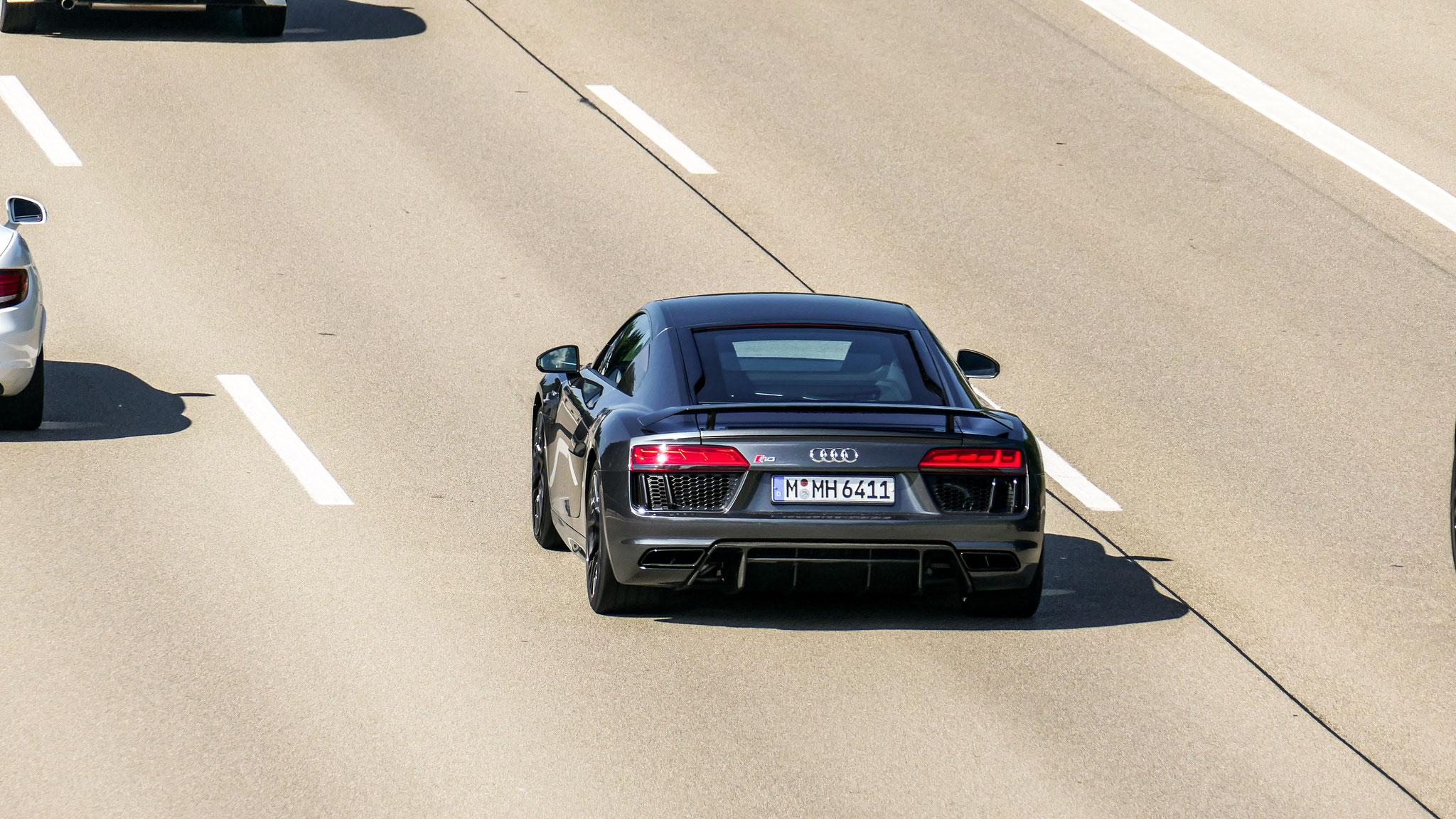 Audi R8 V10 - M-MH-6411