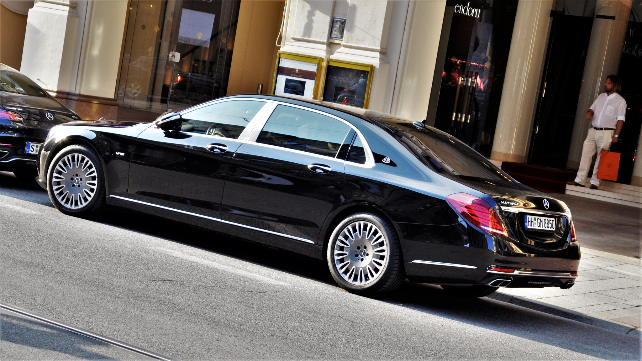 Mercedes Maybach S600 - HH-GM-8850