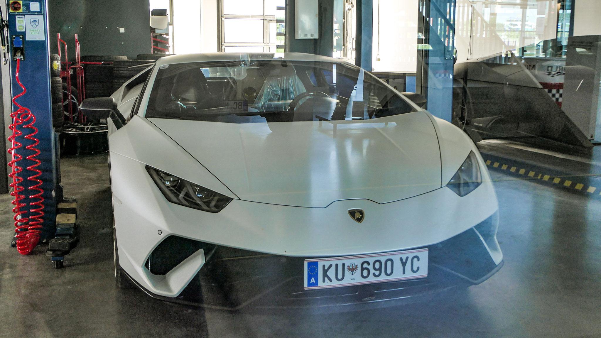 Lamborghini Huracan Performante - KU-690-YC (AUT)