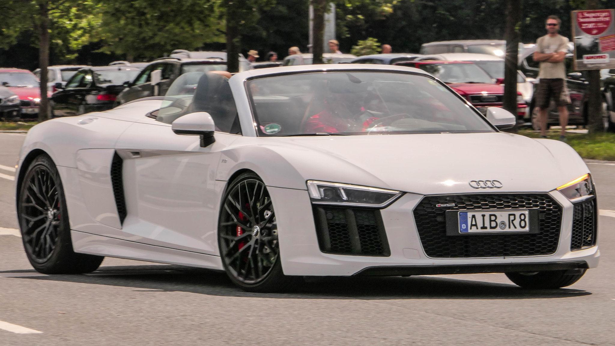 Audi R8 V10 Spyder - AIB-R-8