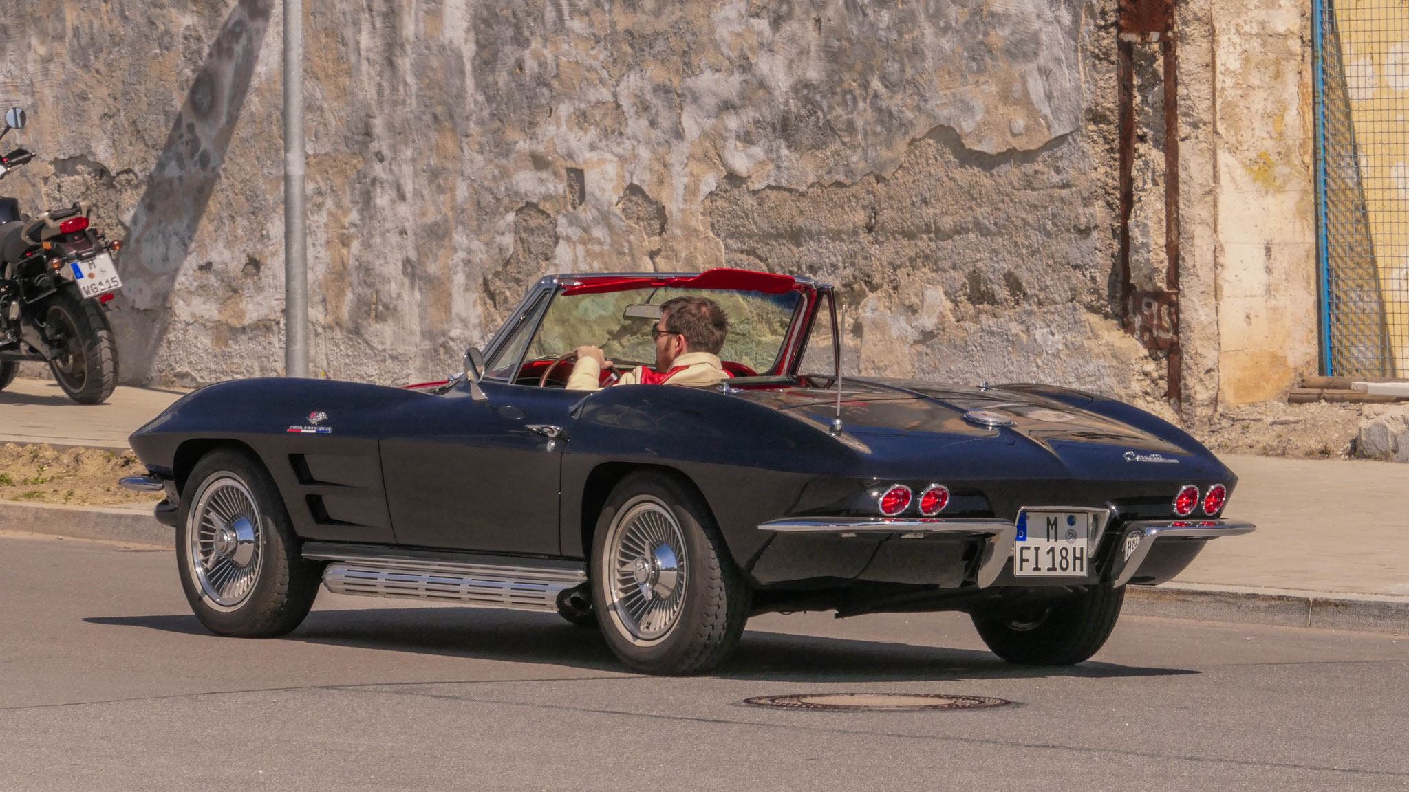 Chevrolet Corvette C2 - M-FI-18H