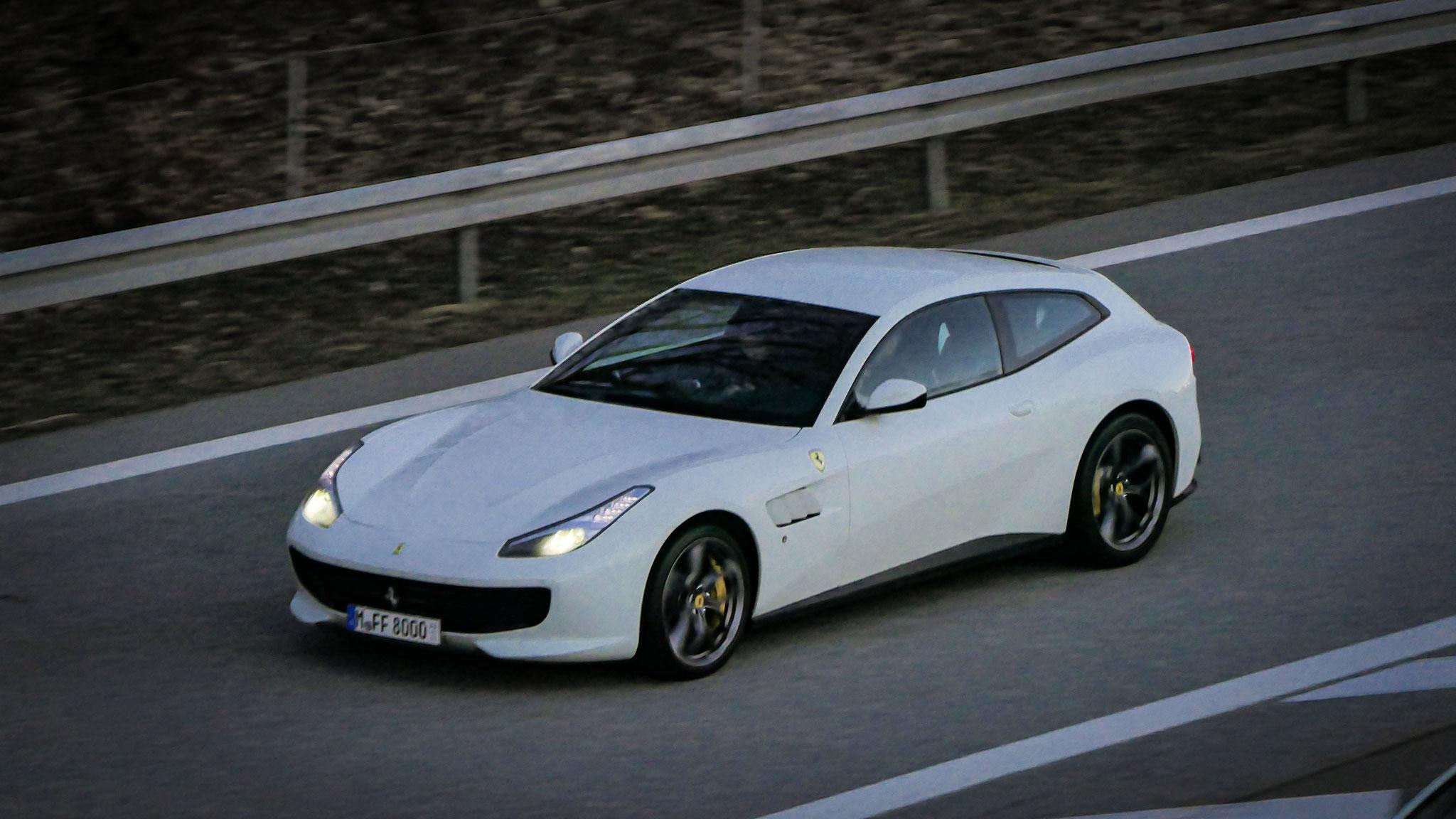 Ferrari GTC4 Lusso - M-FF-8000