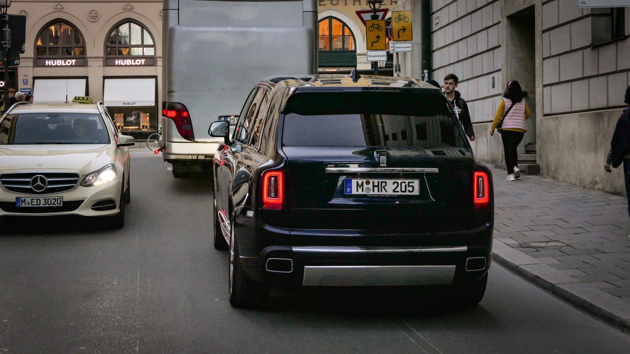 Rolls Royce Cullinan - M-HR-205