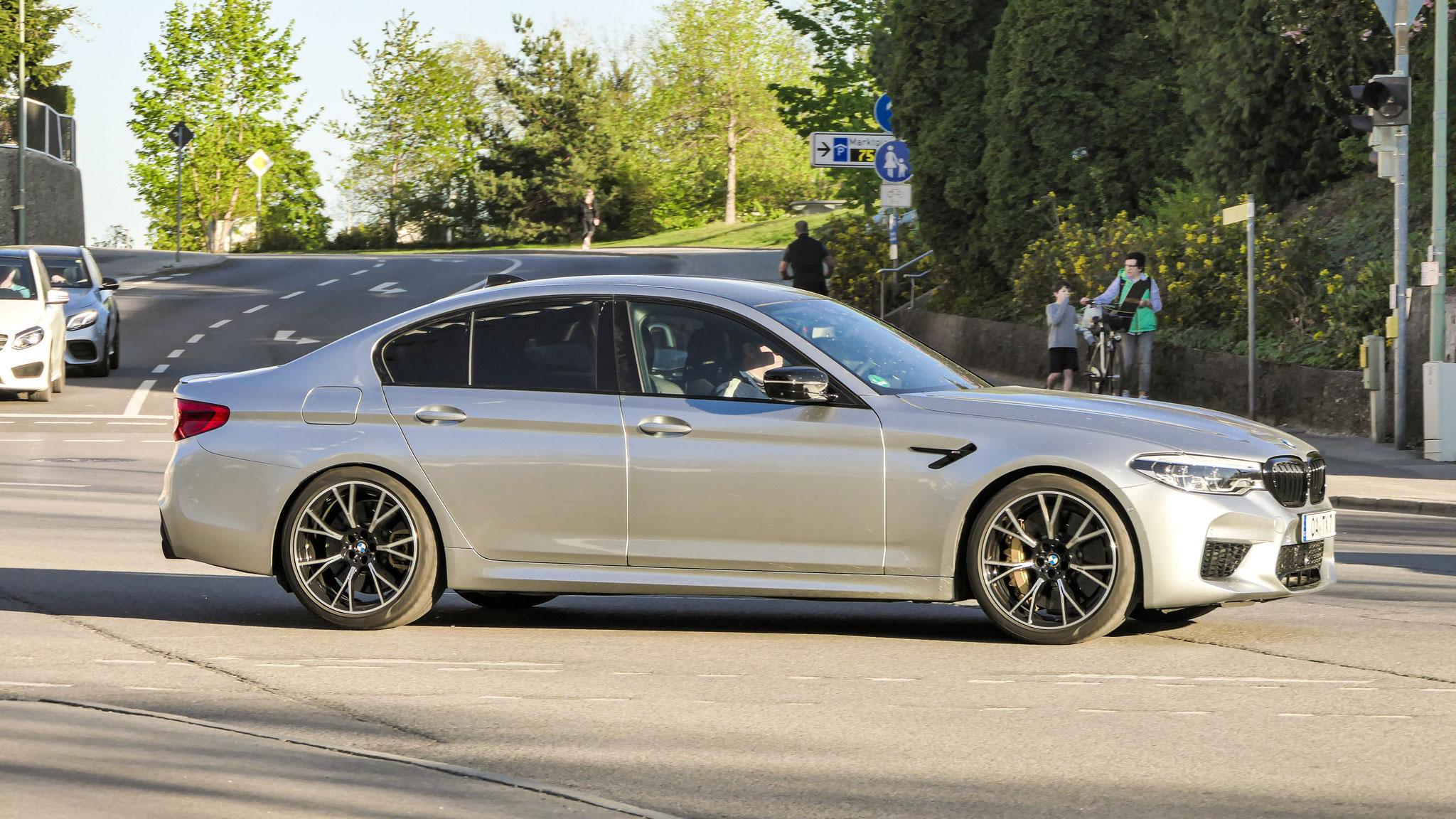 BMW M5 - OA-TX-7