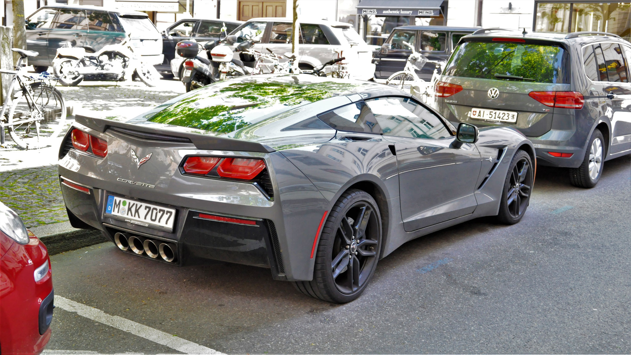 Chevrolet Corvette C7 Stingray - M-KK-7077