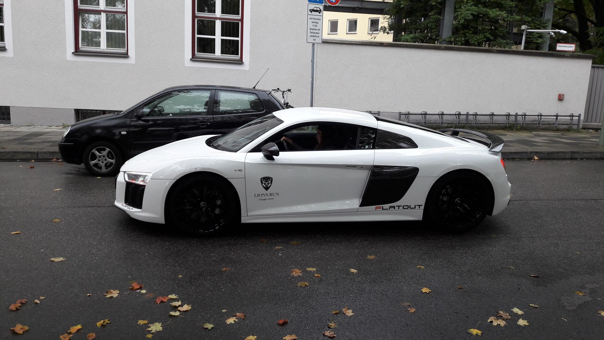 Audi R8 V10 - EBE-Q-9000