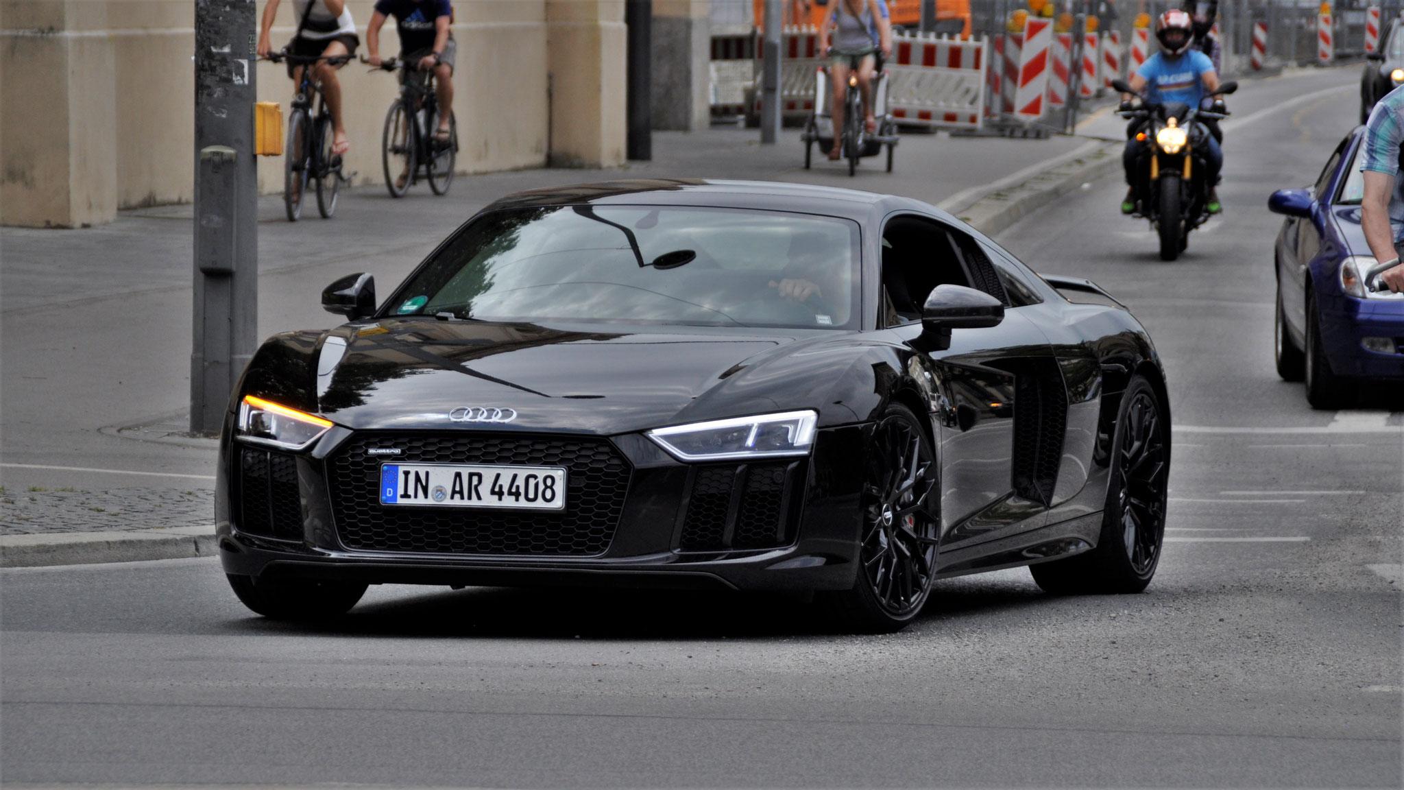 Audi R8 V10 - IN-AR-4408