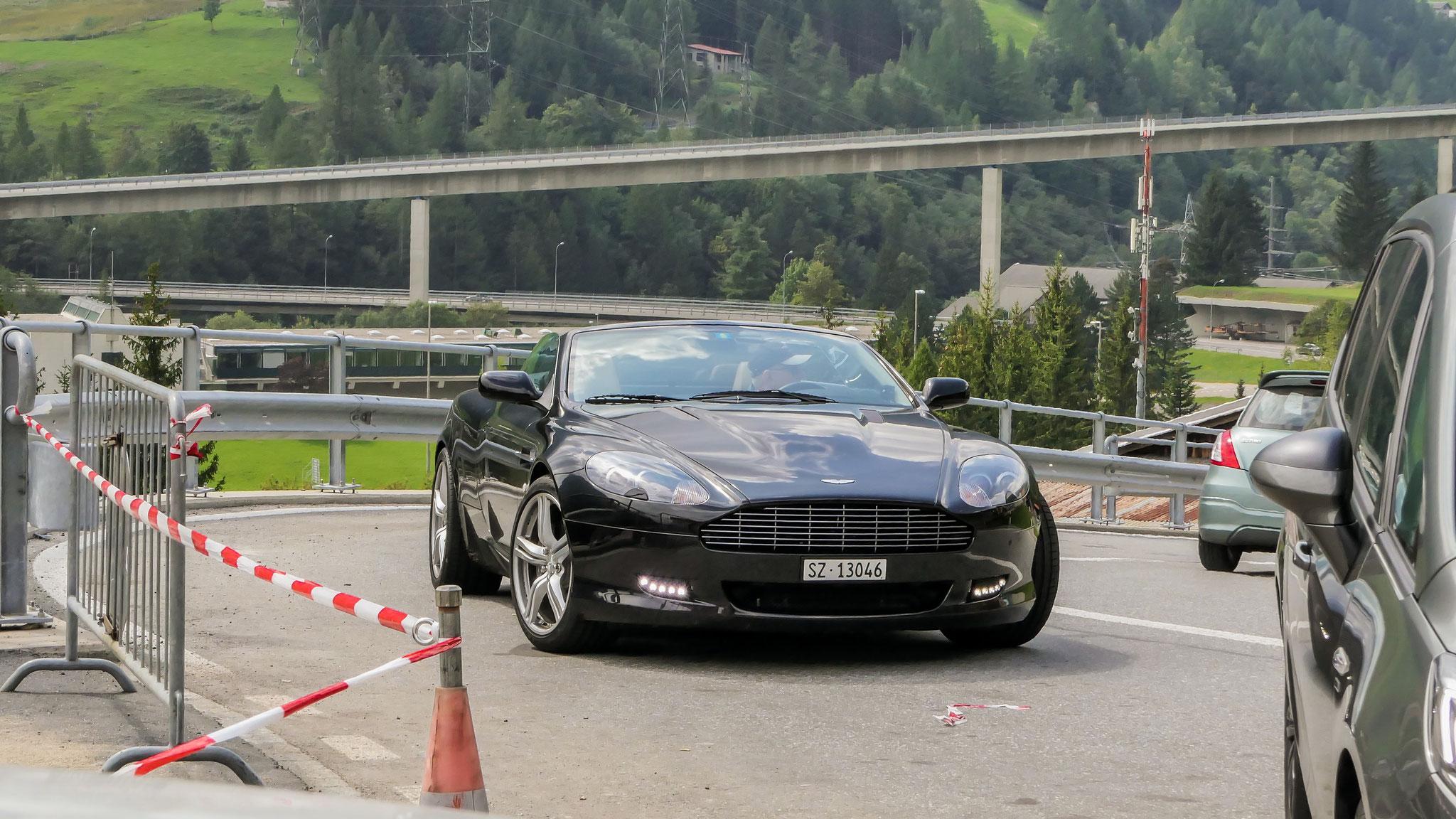 Aston Martin DB9 Volante - SZ-13046 (CH)