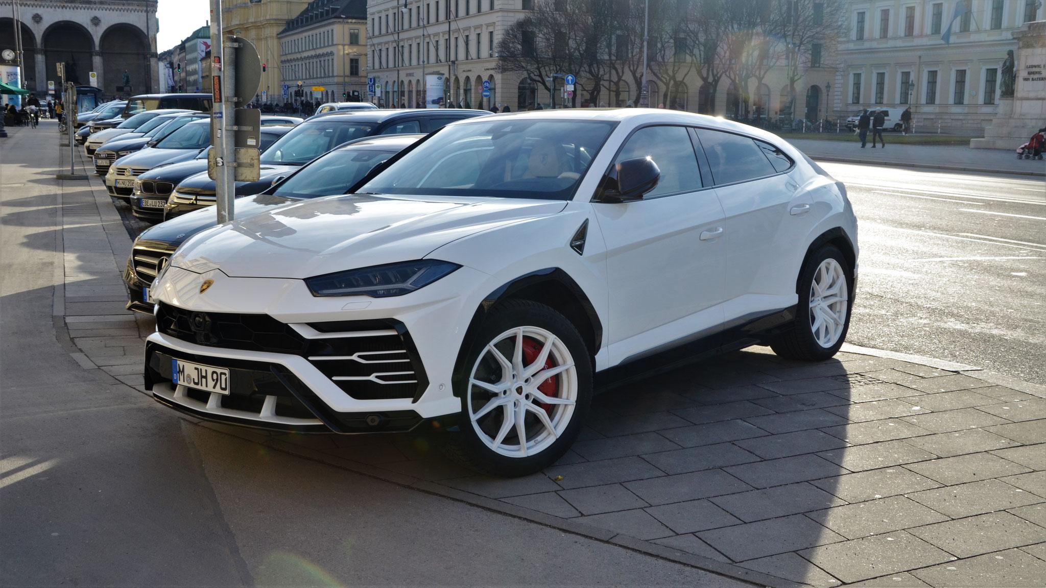 Lamborghini Urus - M-JH-90