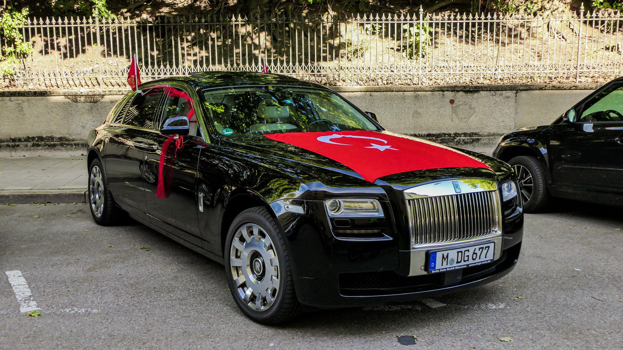 Rolls Royce Ghost - M-DG-677