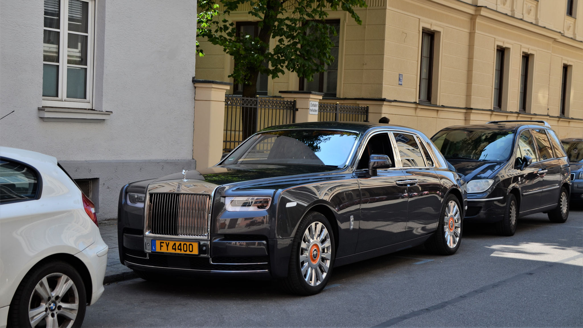 Rolls Royce Phantom - FY-4400 (LUX)