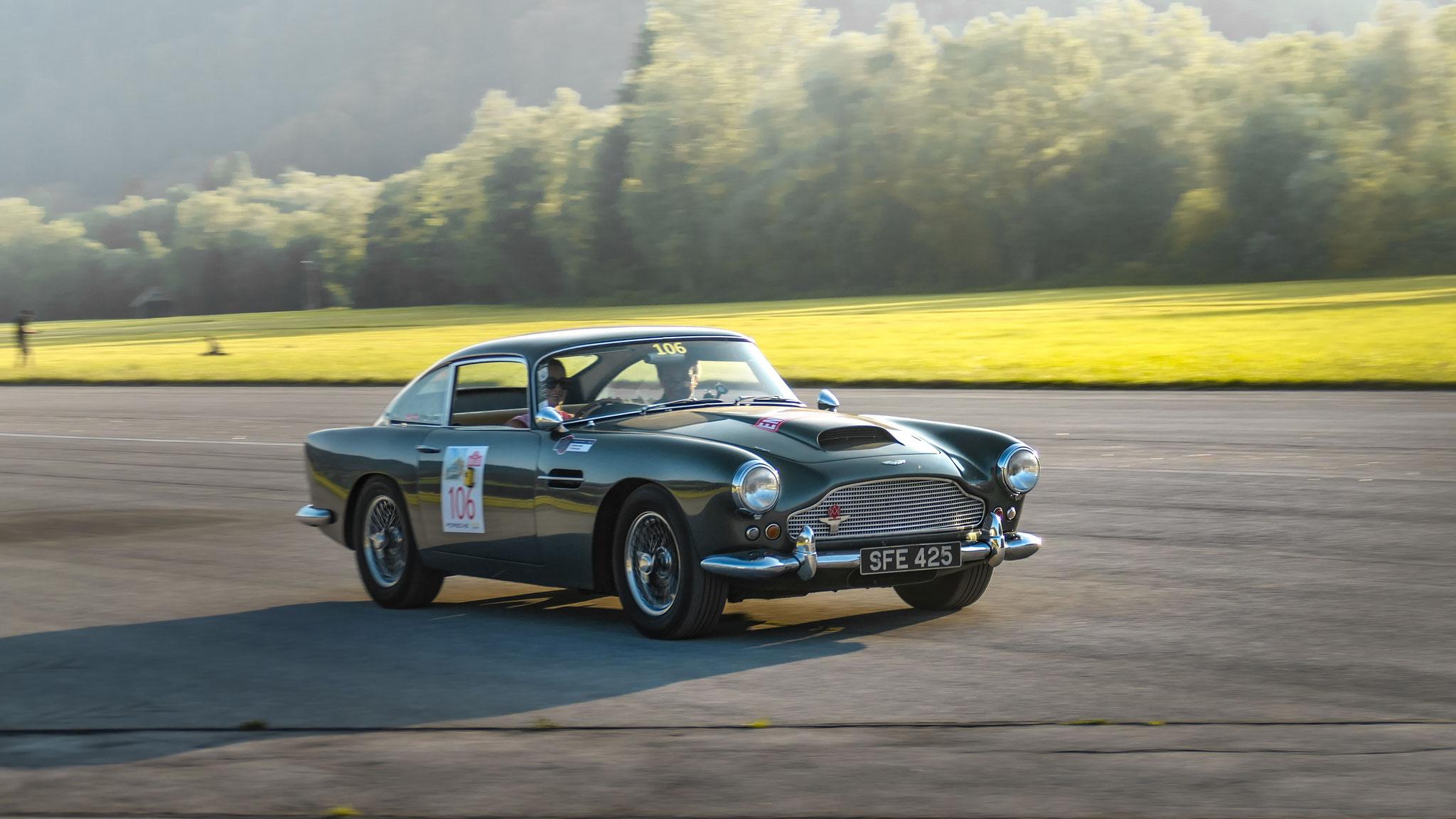 Aston Martin DB4 - SFE-425 (GB)