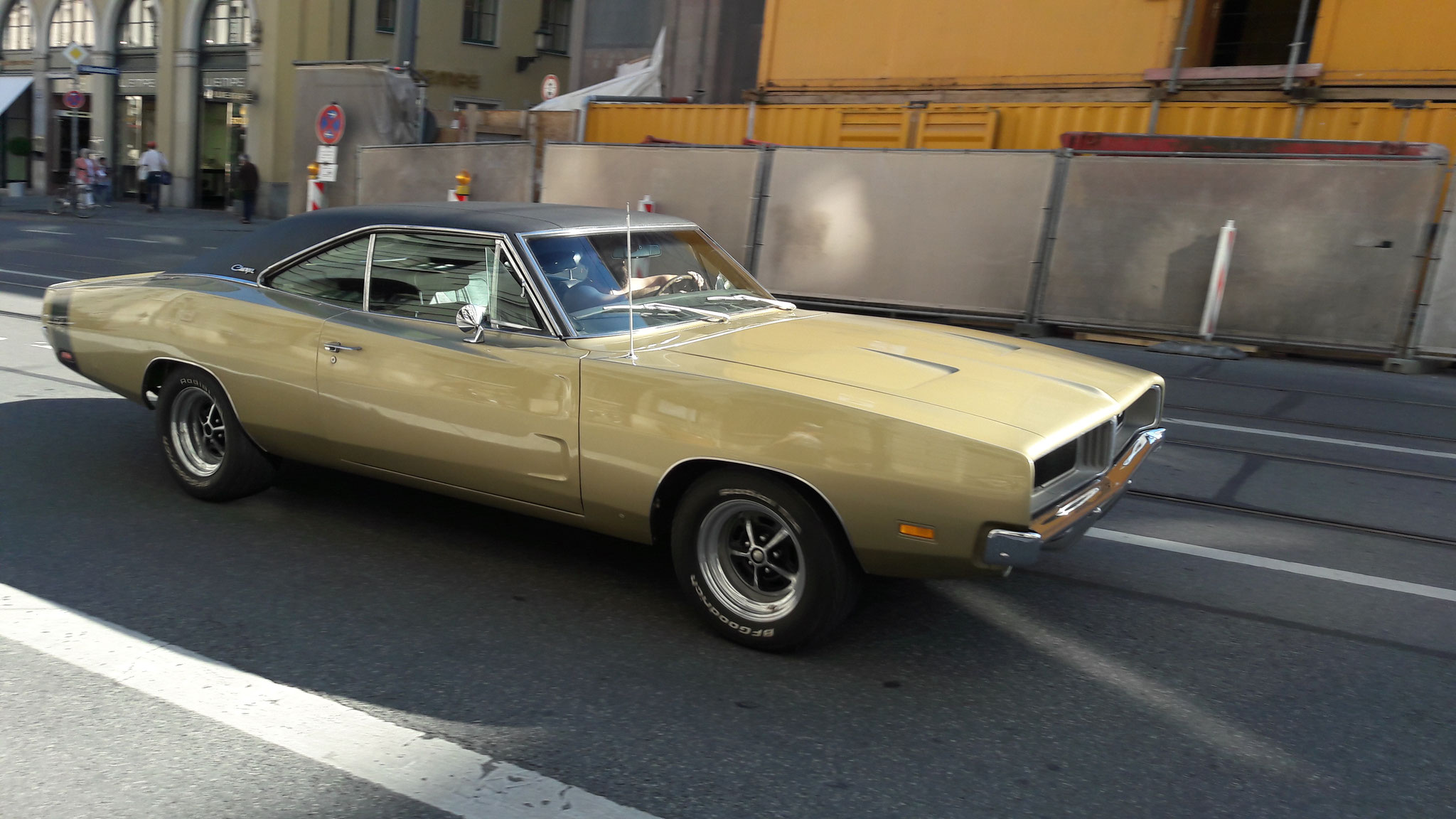 Dodge Charger RT - M-N-8H