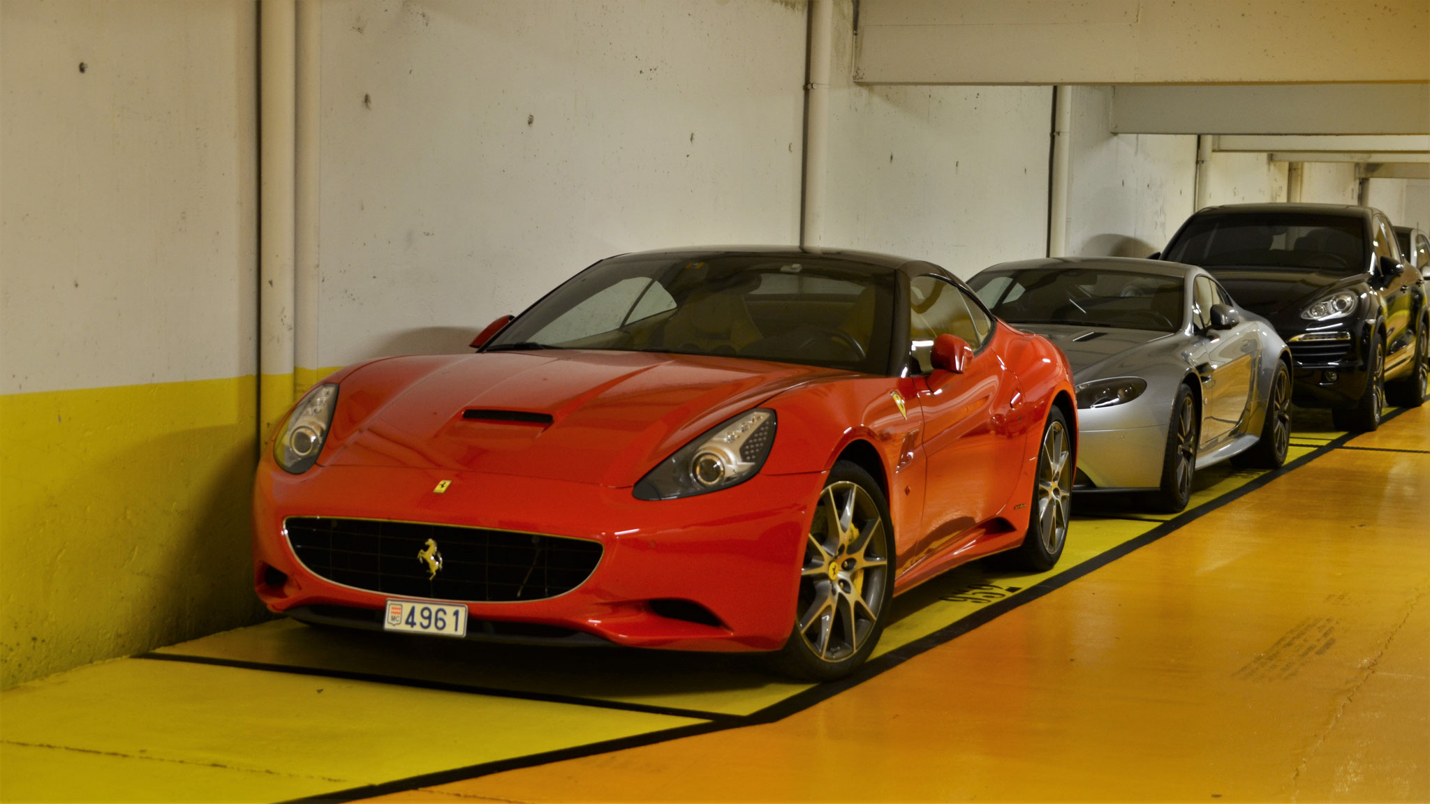 Ferrari California - 4961 (MC)