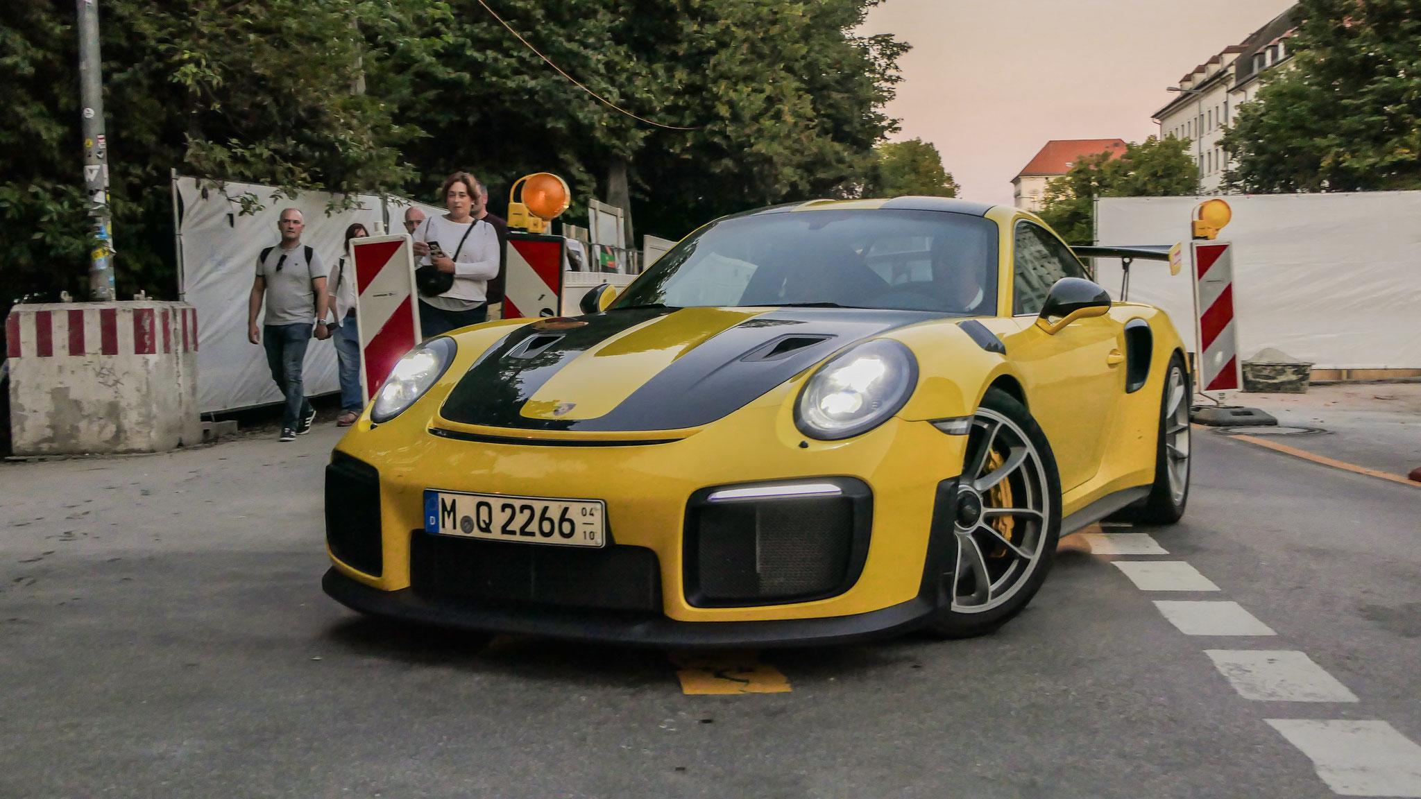 Porsche GT2 RS - M-Q-2266