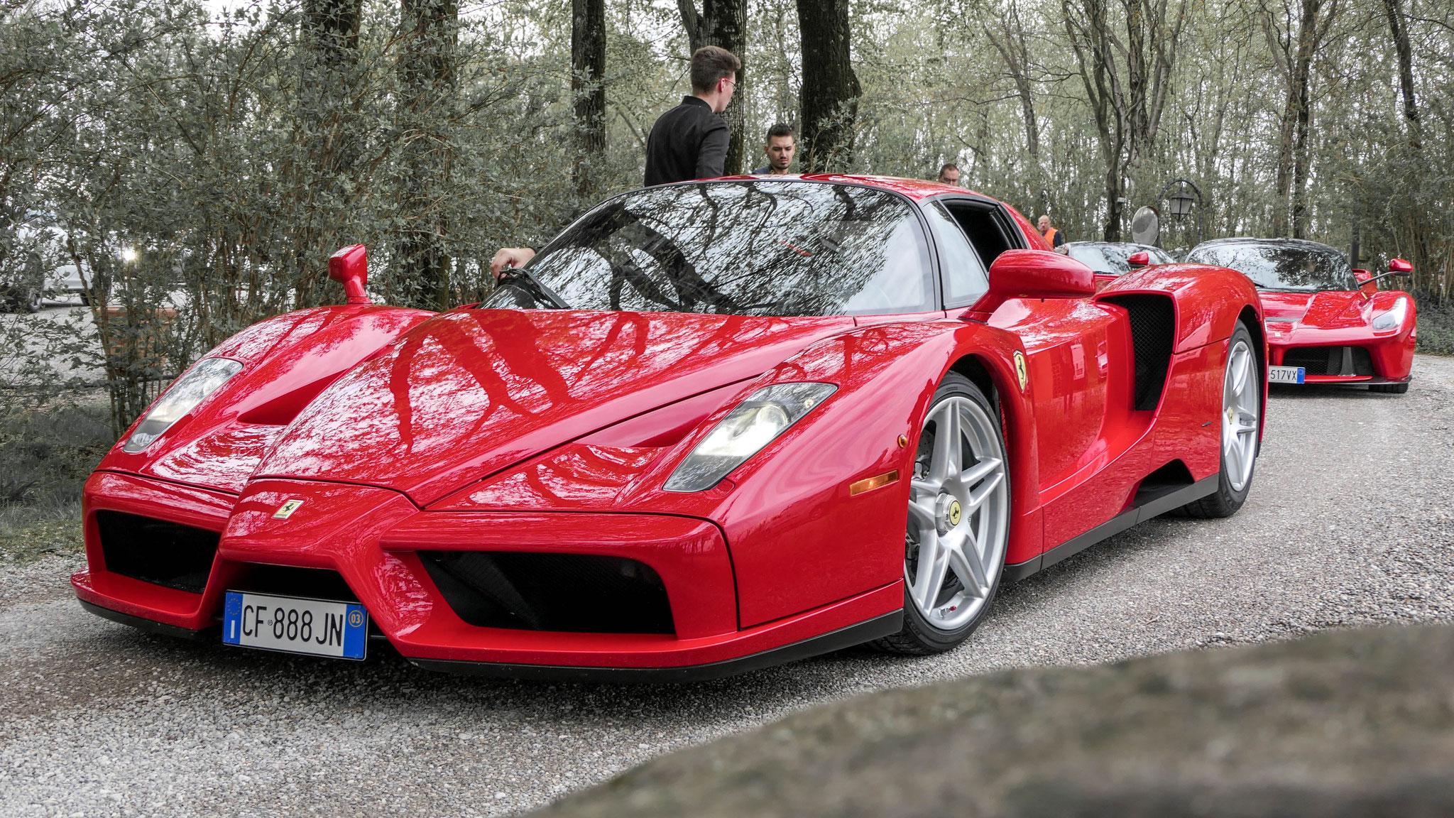 Ferrari Enzo - CF-888-JN (ITA)