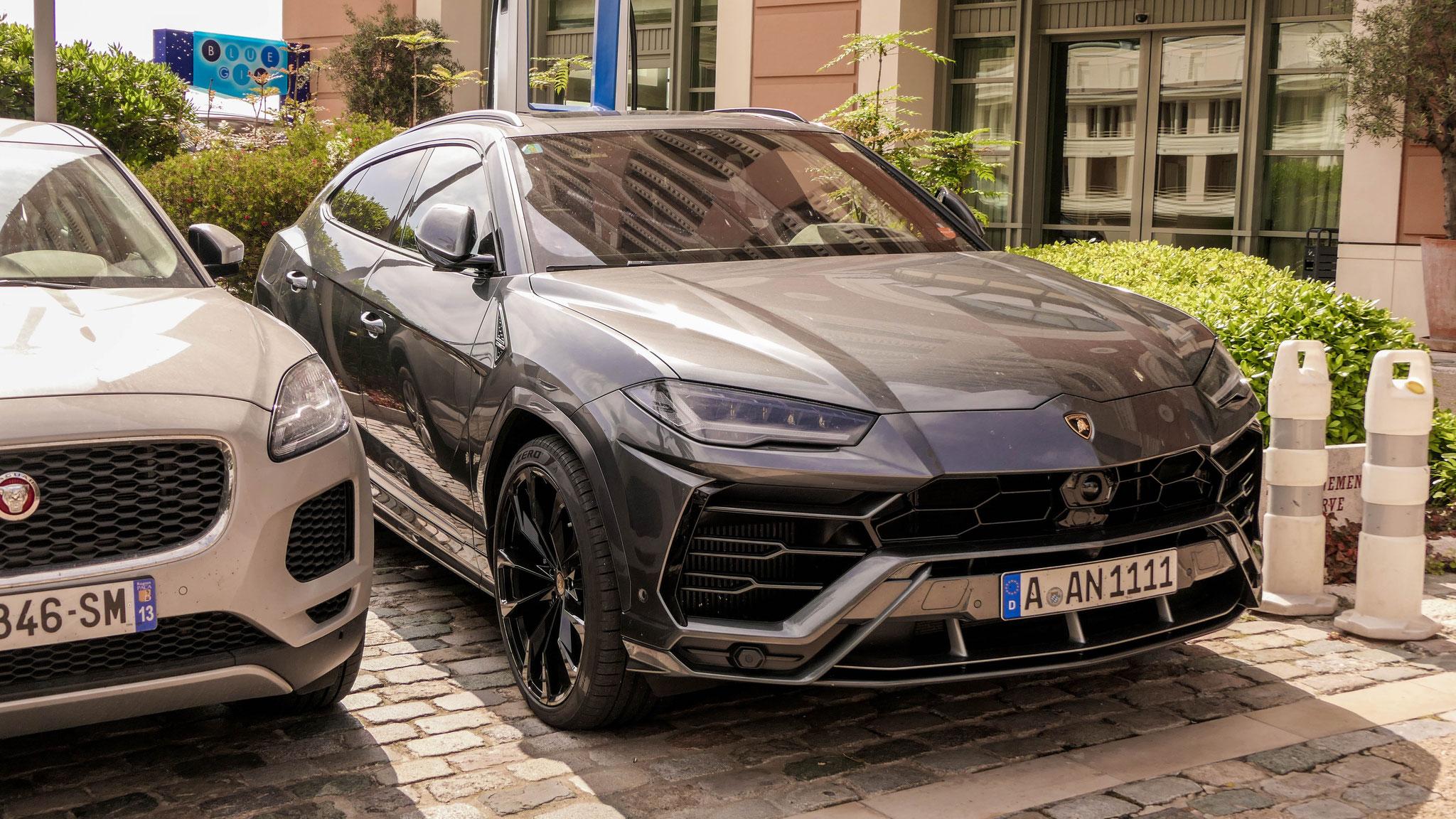 Lamborghini Urus - A-AN-1111