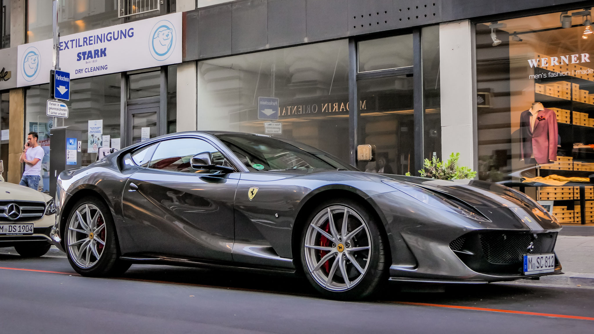 Ferrari 812 Superfast - M-SC-812