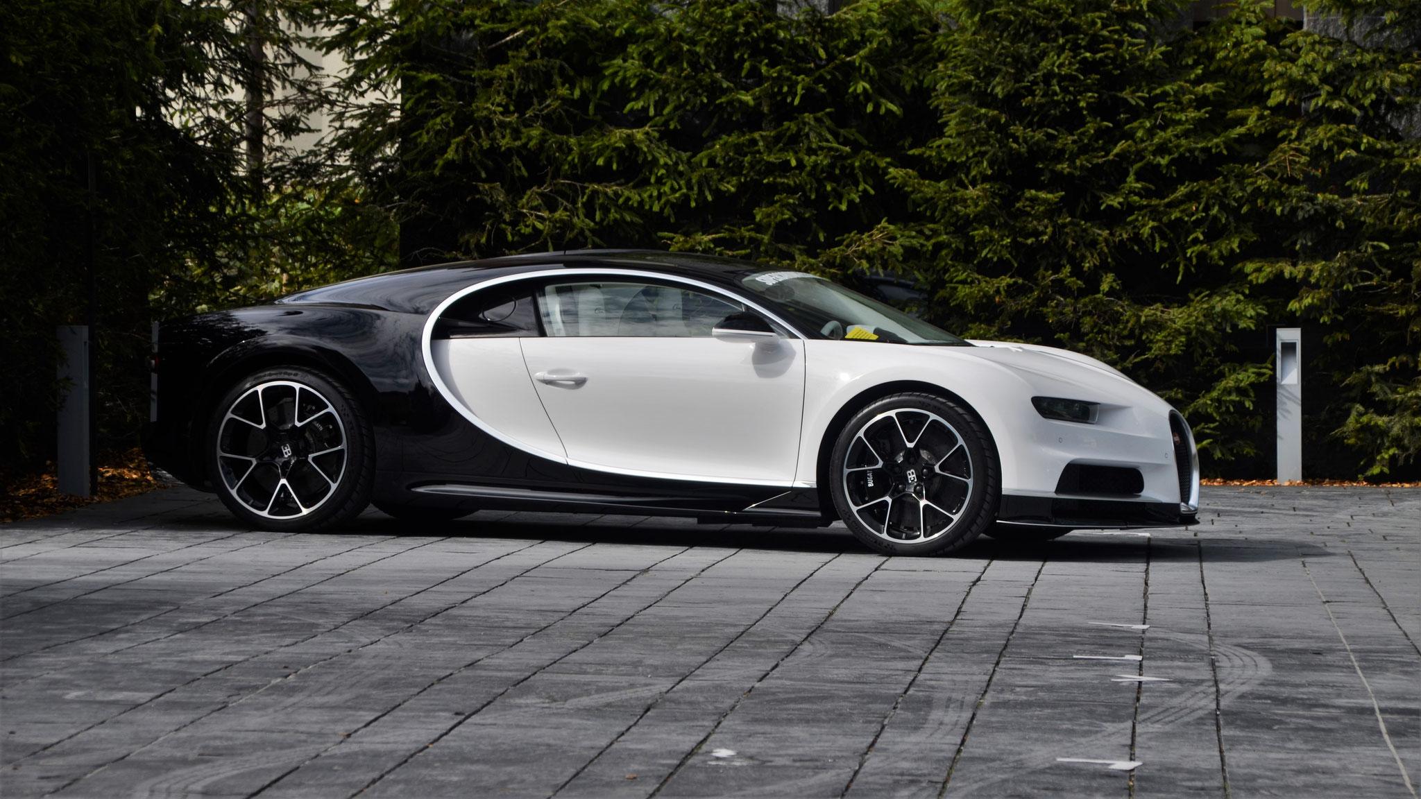 Bugatti Chiron - LX18-DFZ (GB)