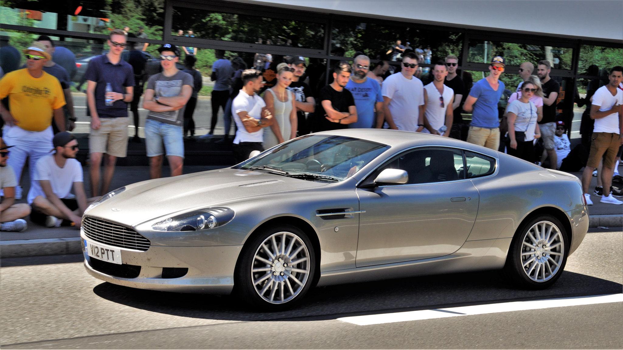 Aston Martin DB9 Coupé - V12-PTT (GB)