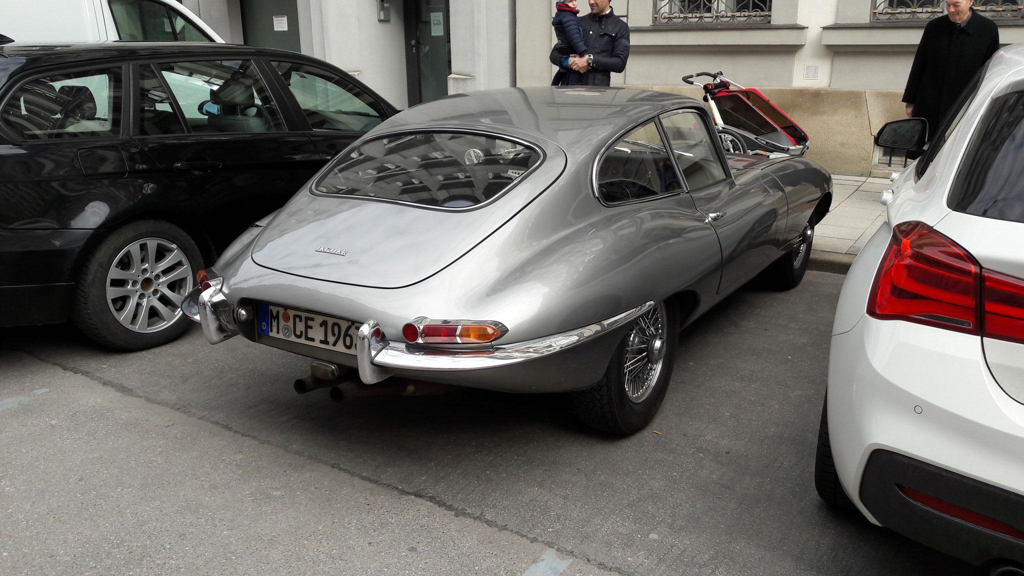 Jaugar E-Type - M-CE-1963H