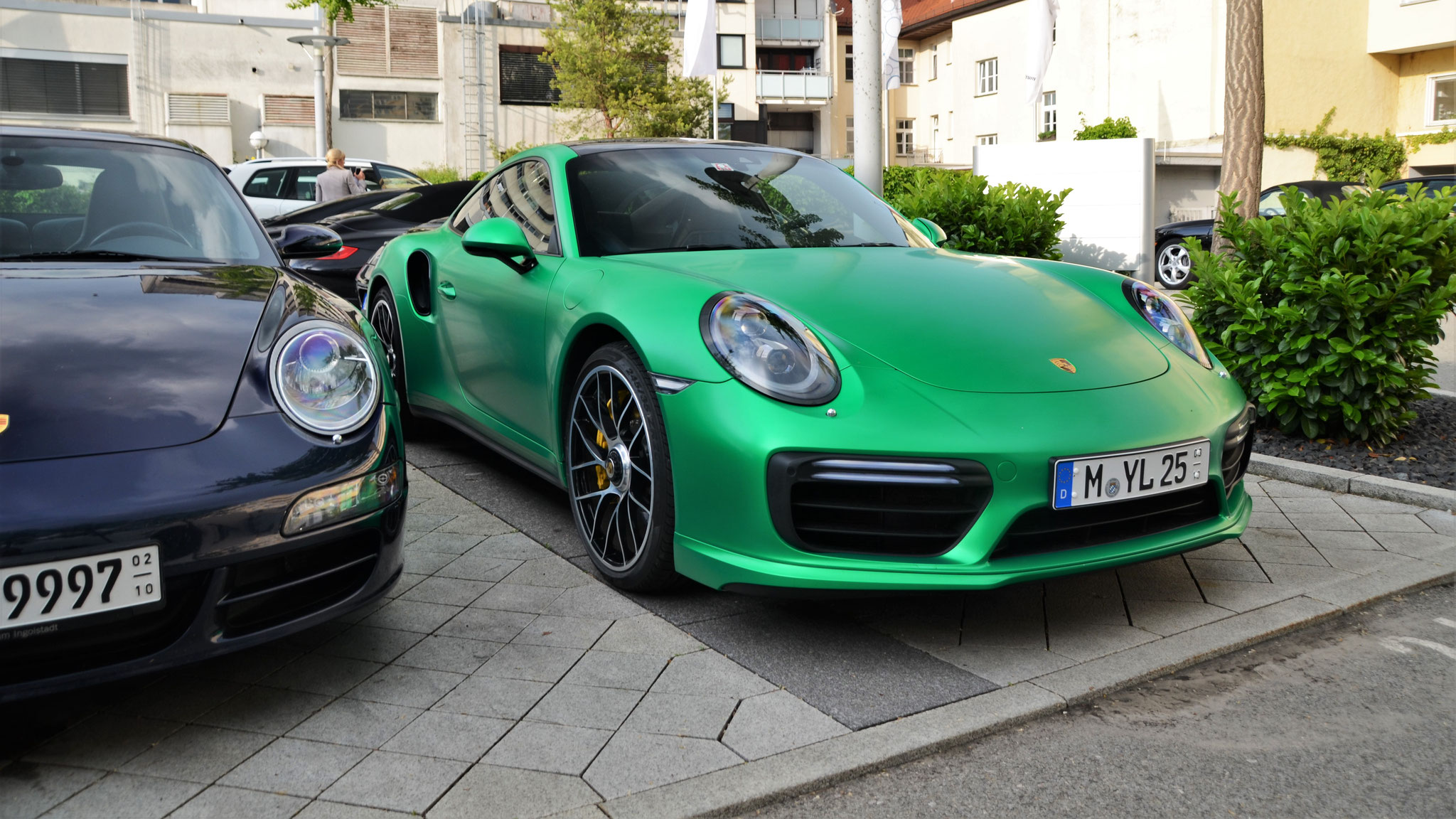 Porsche 911 Turbo - M-YL-25