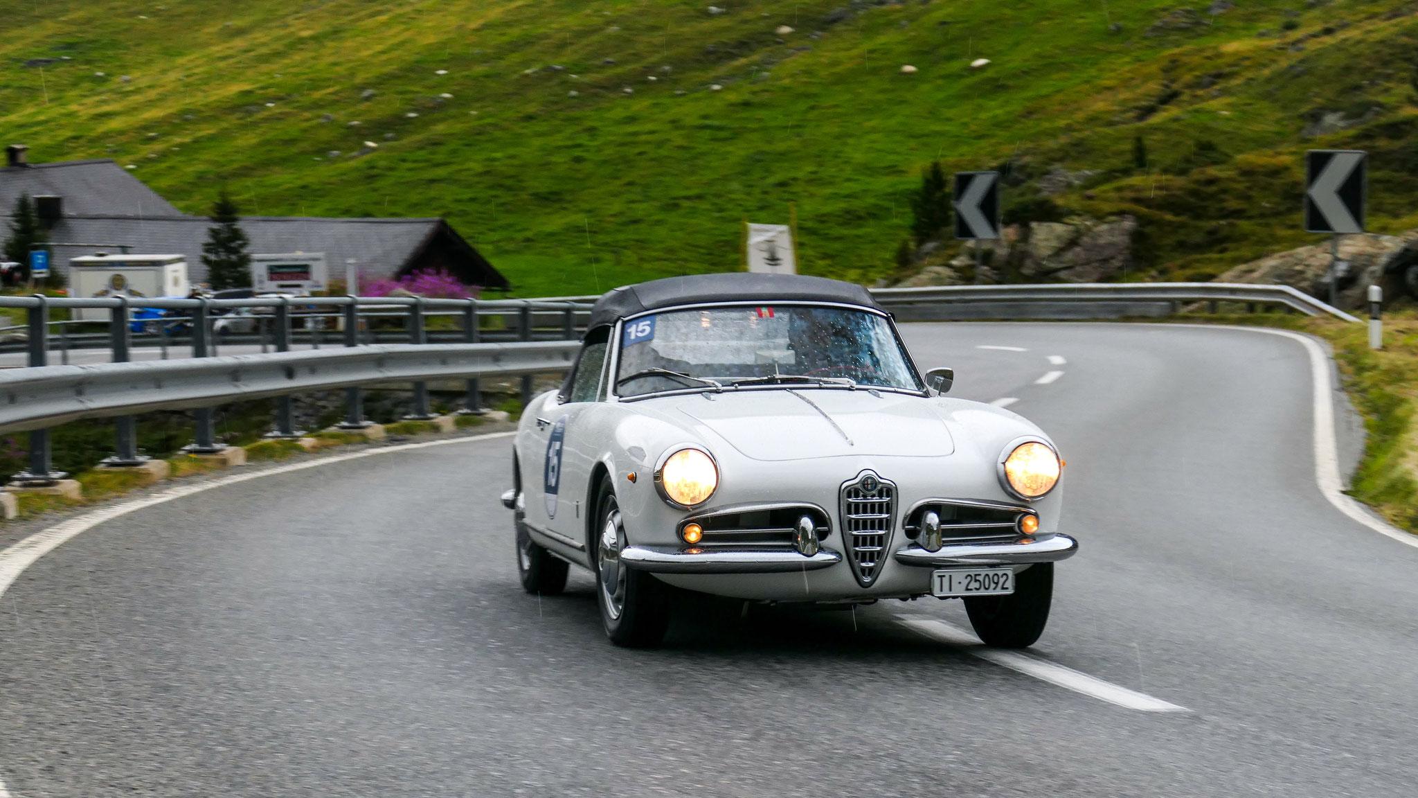 Alfa Romeo Giulia Spider - TI-25092 (CH)