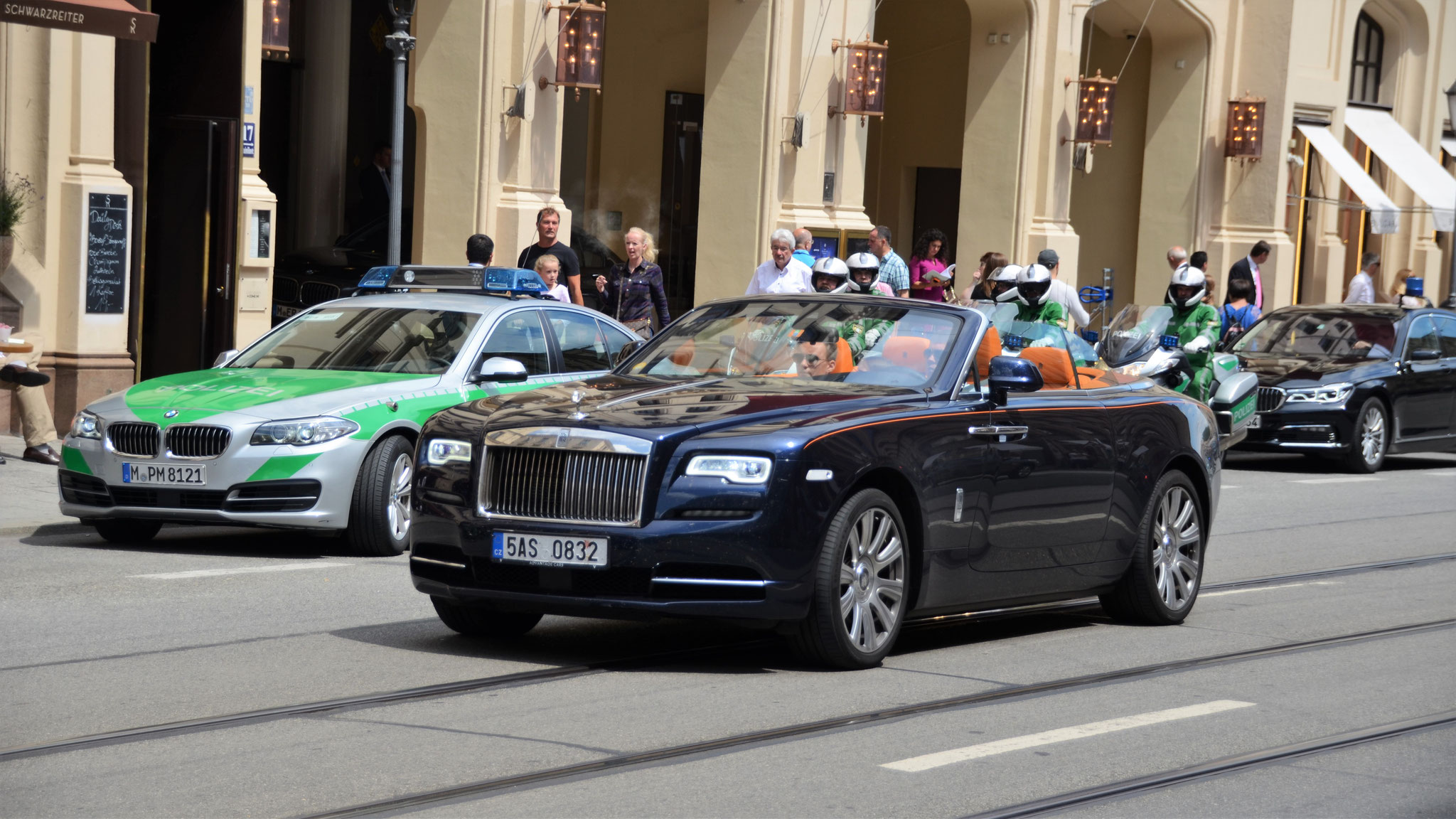 Rolls Royce Dawn - 5AS-0832 (CZ)